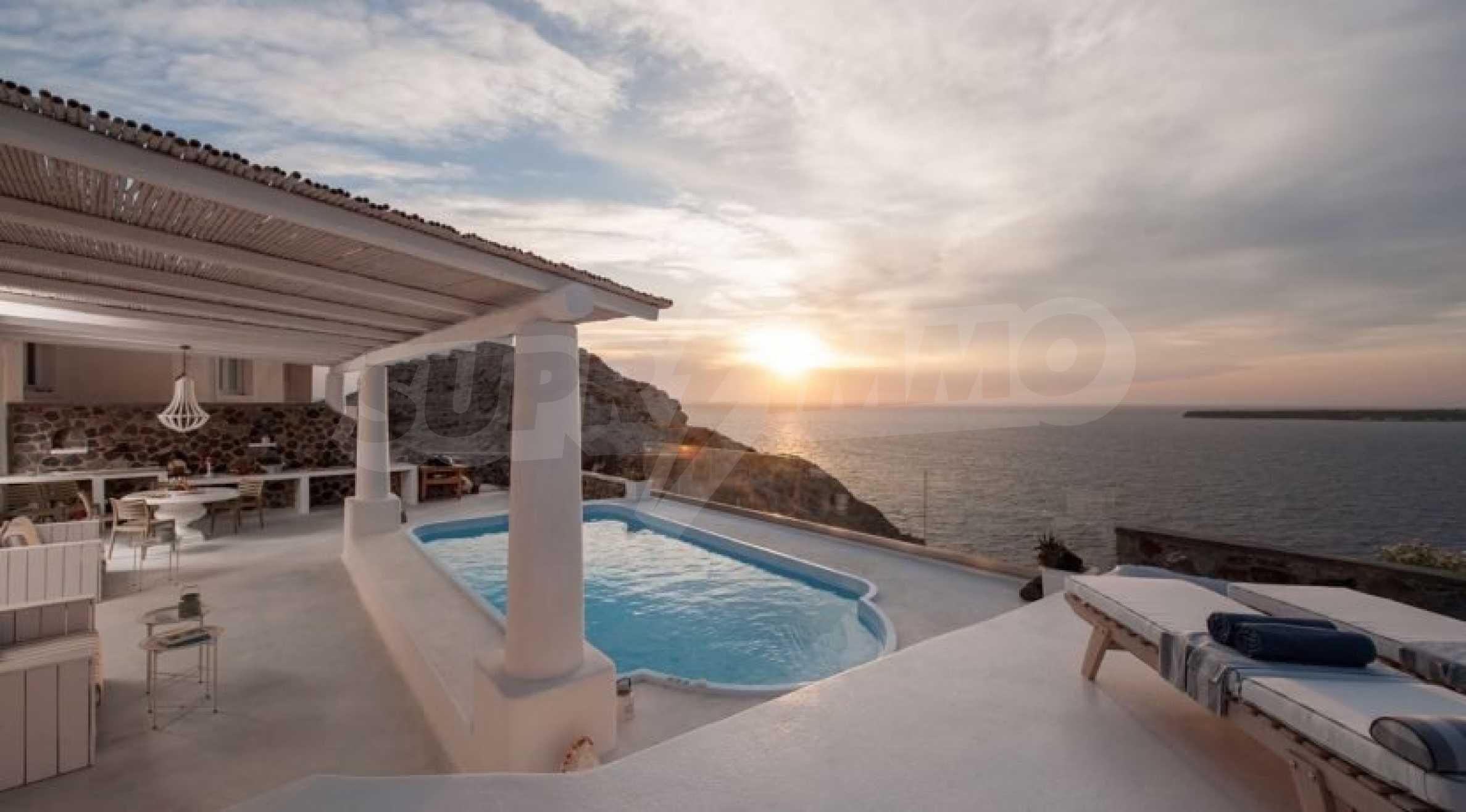 Грациозен имот с приказна гледка на остров Санторини 2