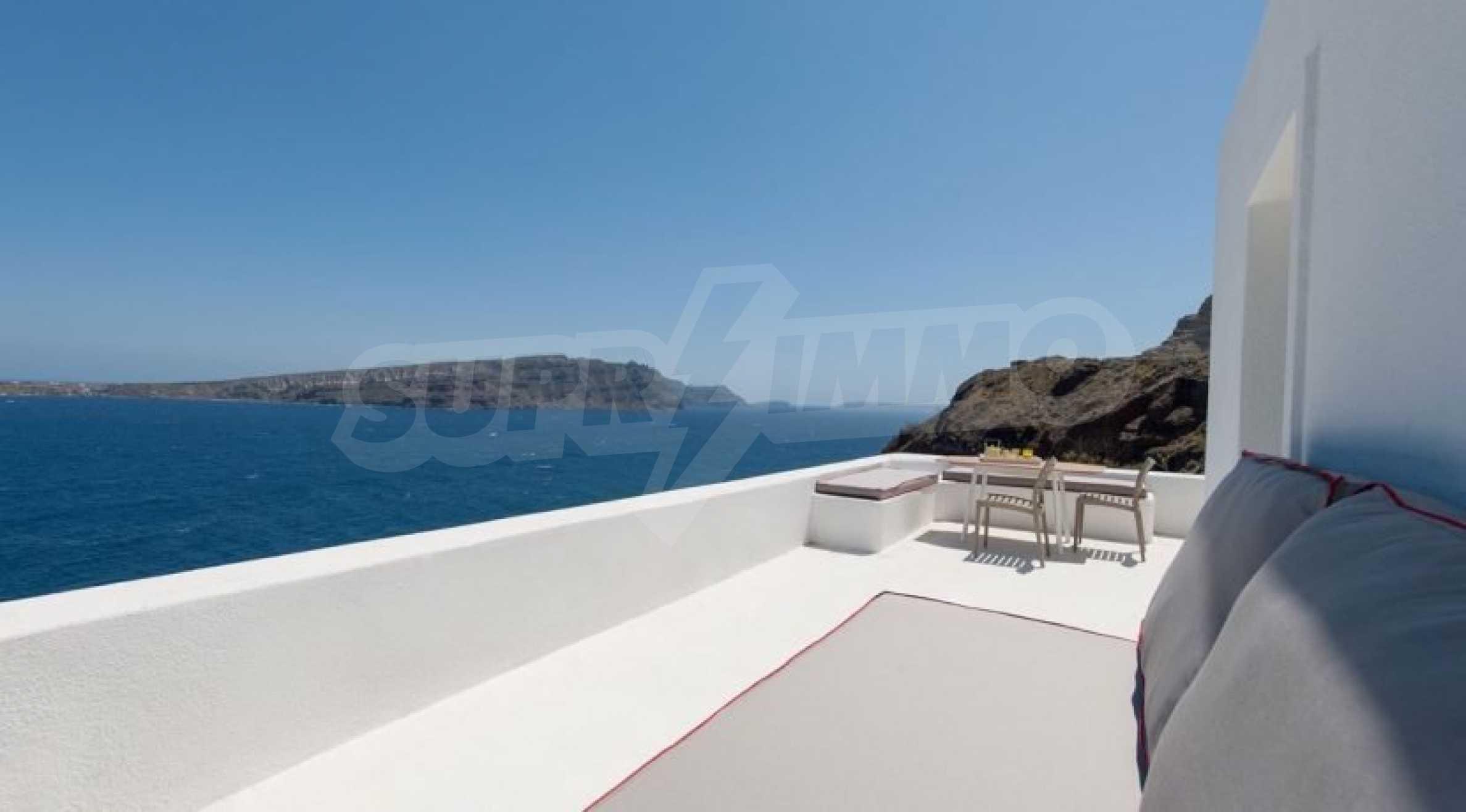 Грациозен имот с приказна гледка на остров Санторини 4