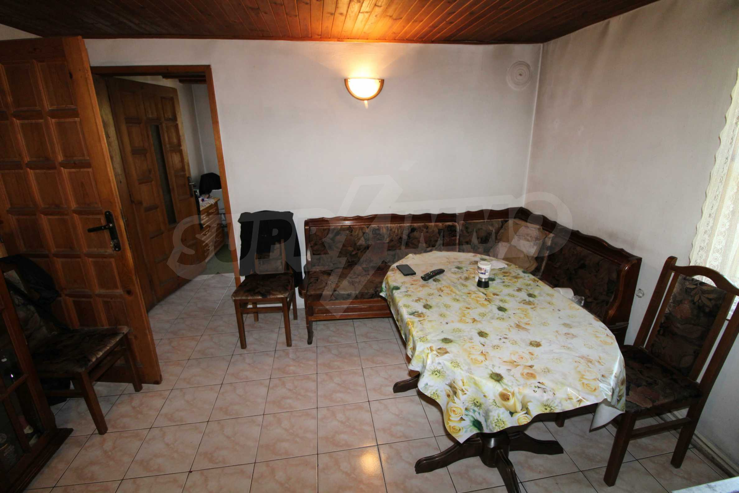 Голяма къща с механа на 6 км. от град  Велико Търново 12