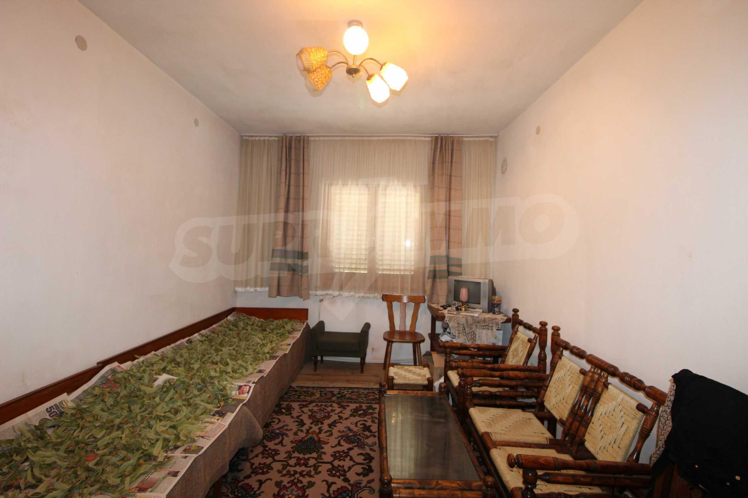 Голяма къща с механа на 6 км. от град  Велико Търново 20
