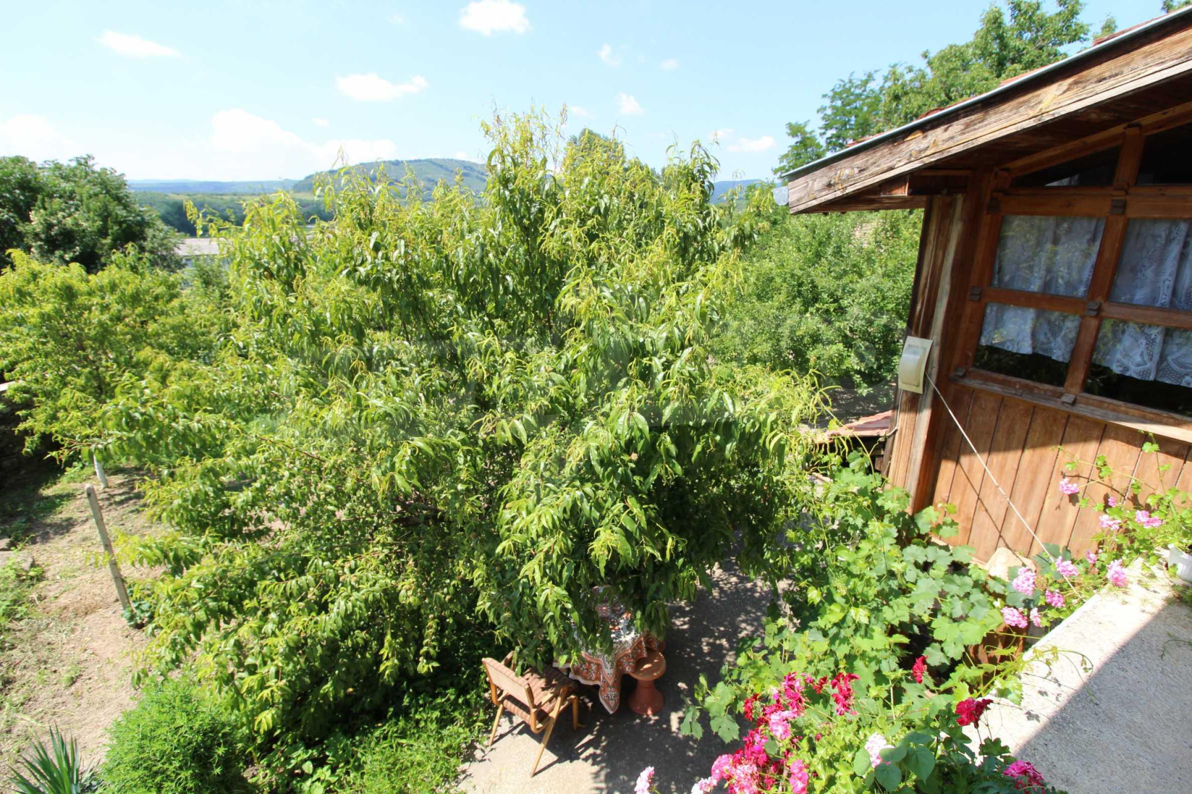 Голяма къща с механа на 6 км. от град  Велико Търново 26