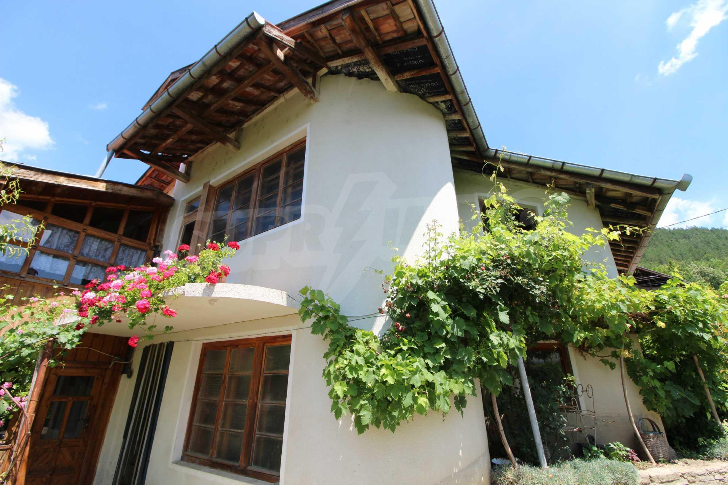 Голяма къща с механа на 6 км. от град  Велико Търново 33