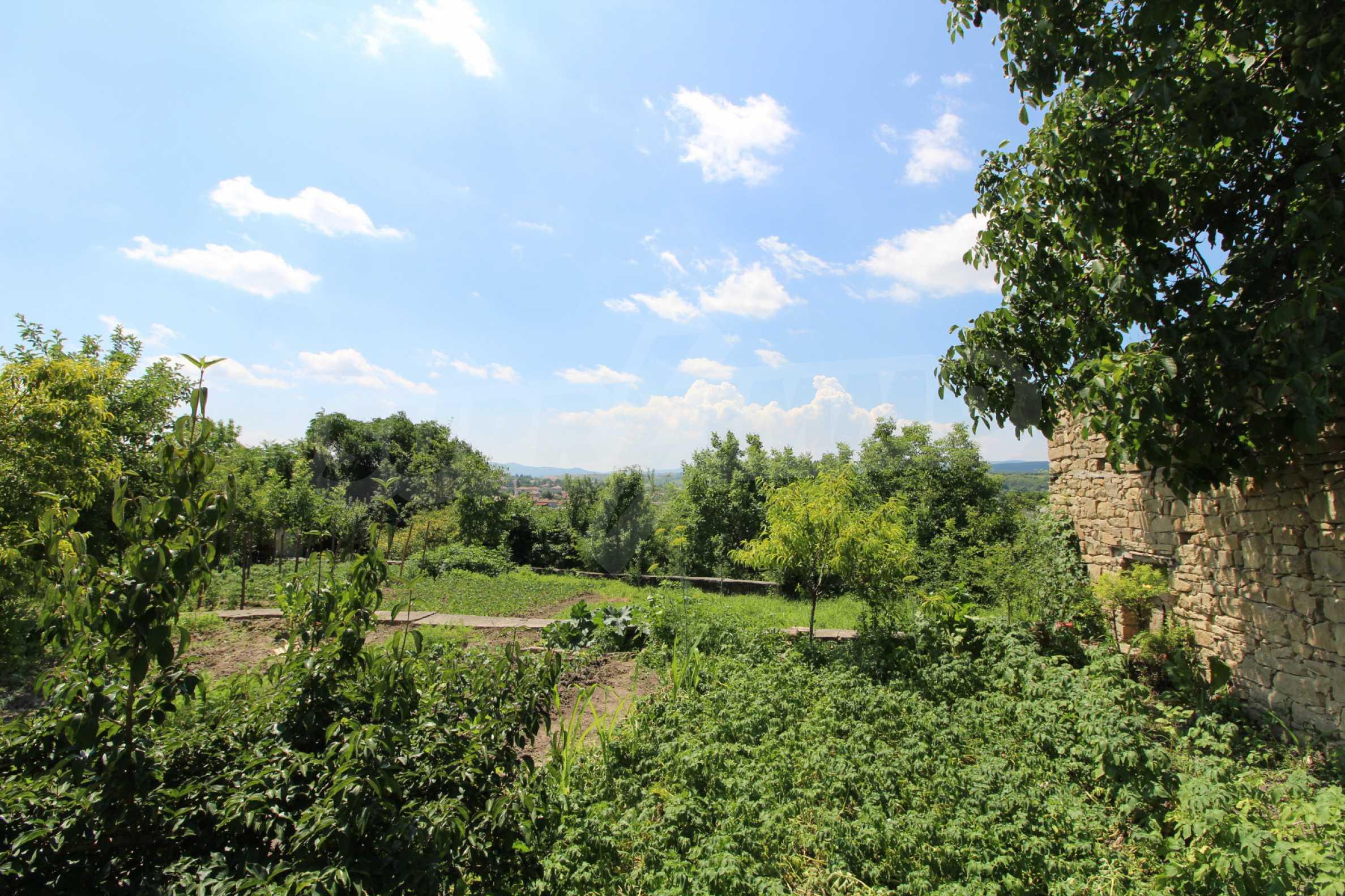 Голяма къща с механа на 6 км. от град  Велико Търново 5