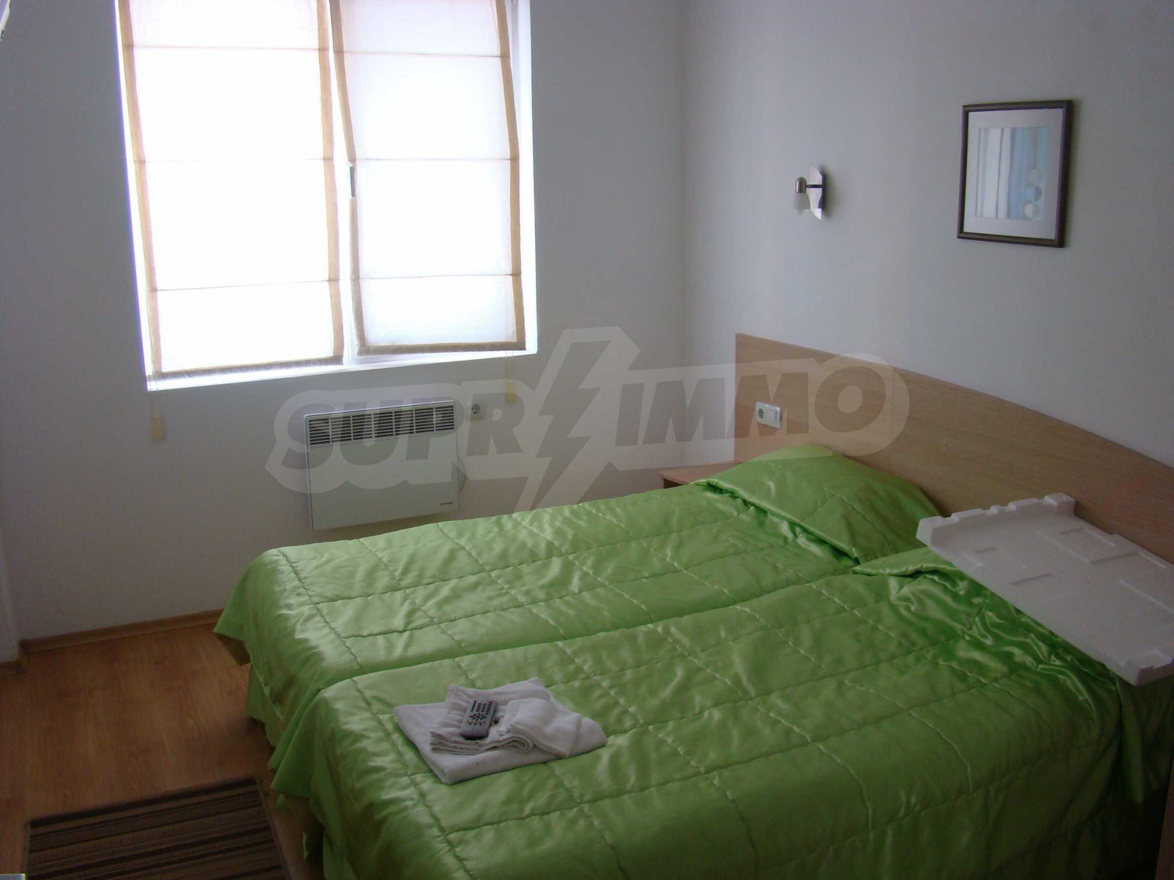 Тристаен апартамент в комплекс от затворен тип, Видинско 10
