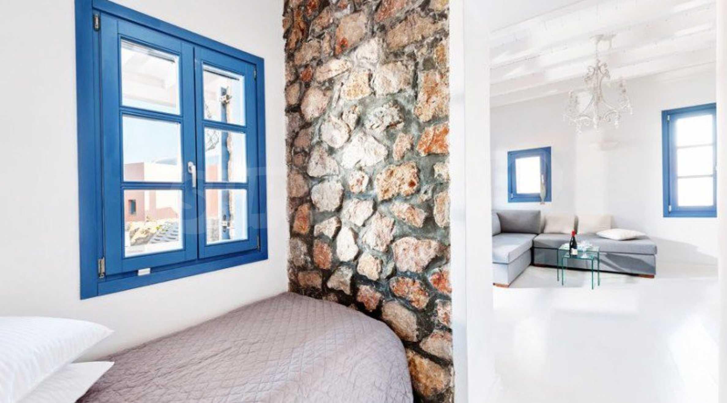 Първокласен имот до Белия плаж на остров Санторини 5