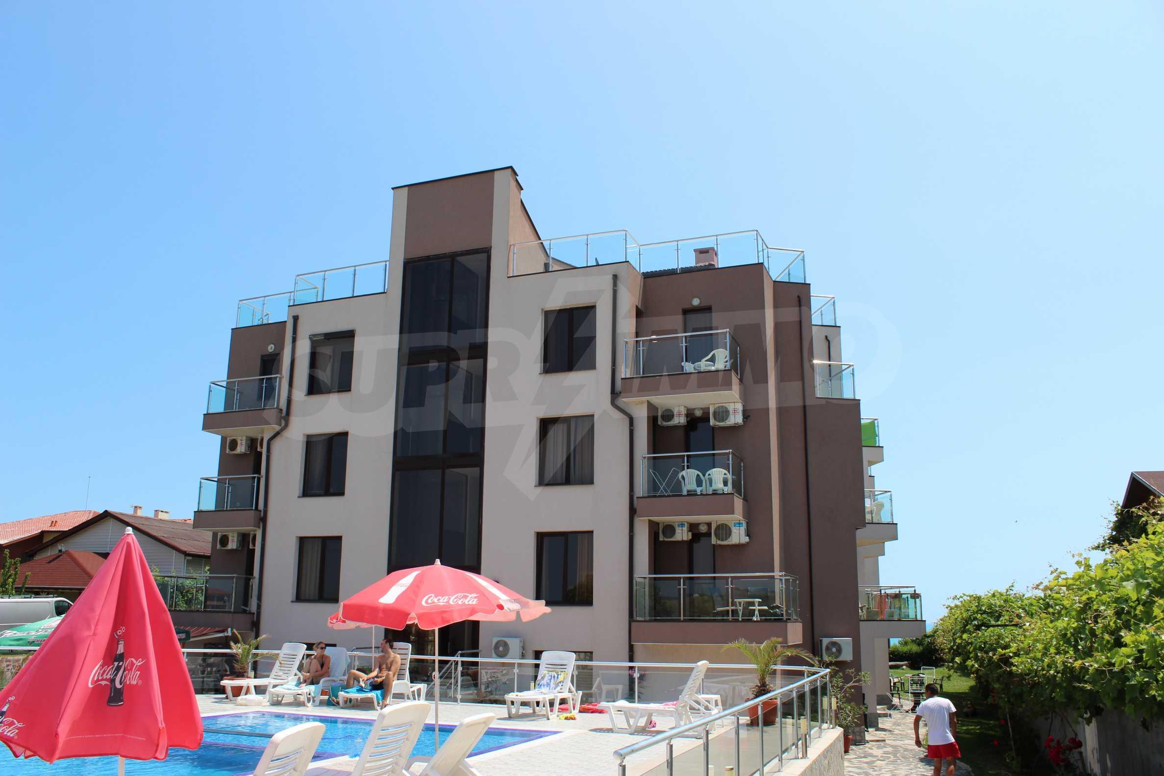 Модерен жилищен комплекс на самия бряг на морето в Синеморец 2