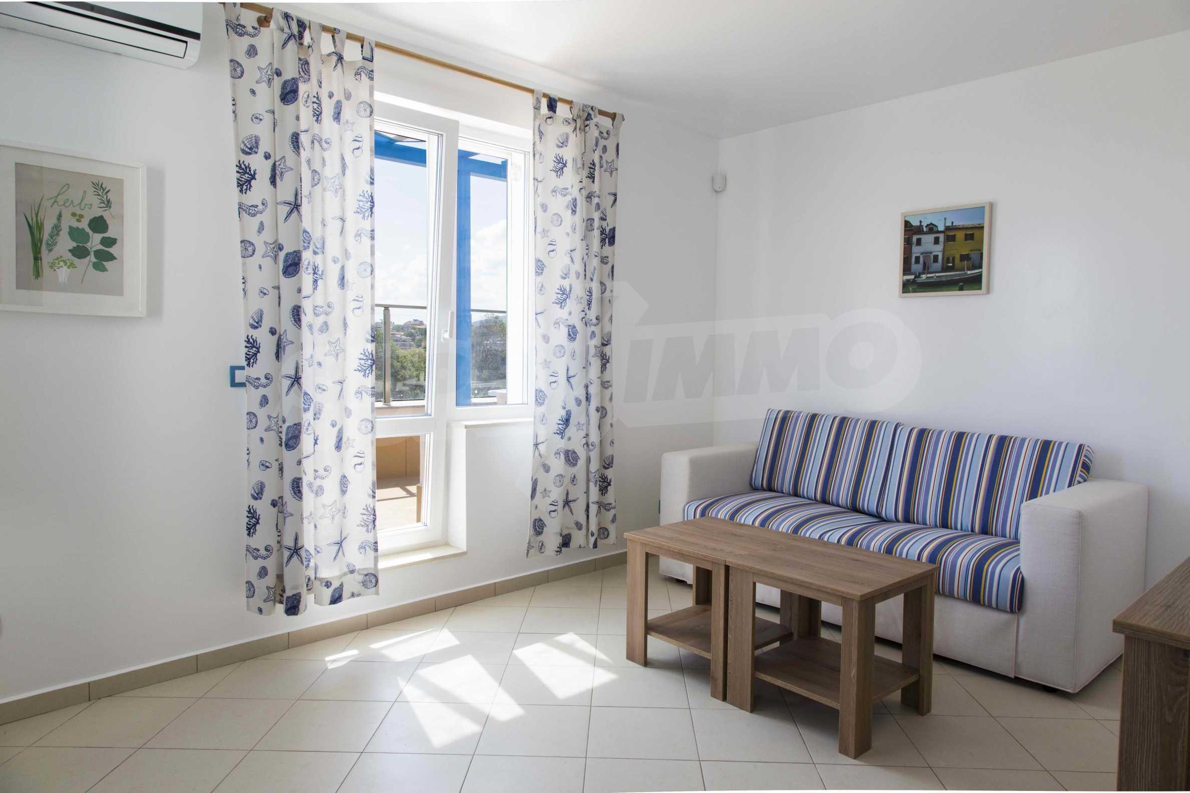 Стилен жилищен комплекс в непосредствена близост до плажа в Лозенец 9