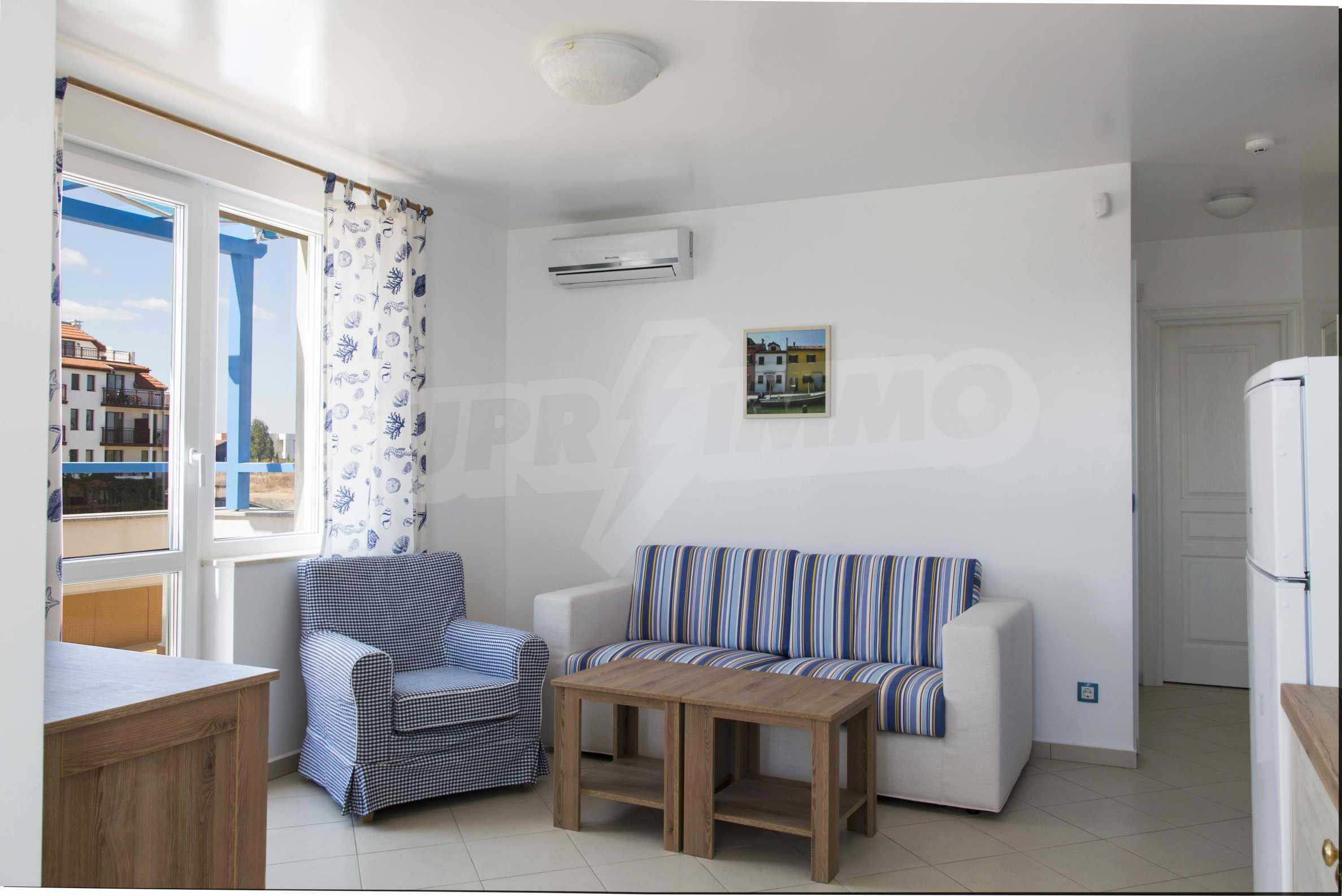 Стилен жилищен комплекс в непосредствена близост до плажа в Лозенец 10