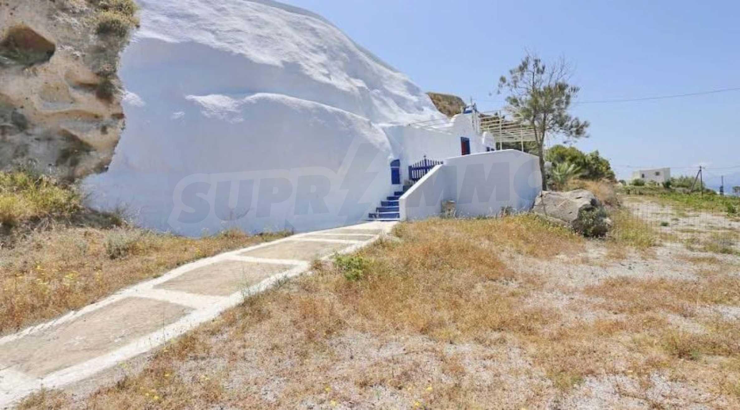 Екзотичен имот във Вотонас, остров Санторини 20