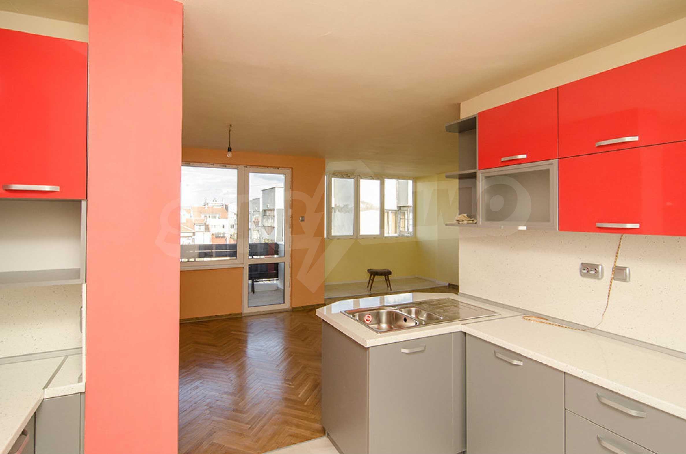 Отличен апартамент в топ център с гледка към Катедралата