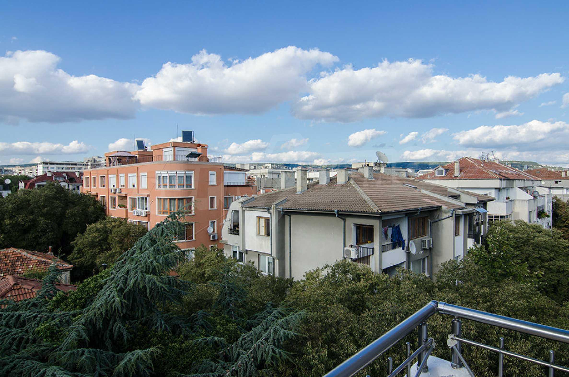 Отличен апартамент в топ център с гледка към Катедралата 9