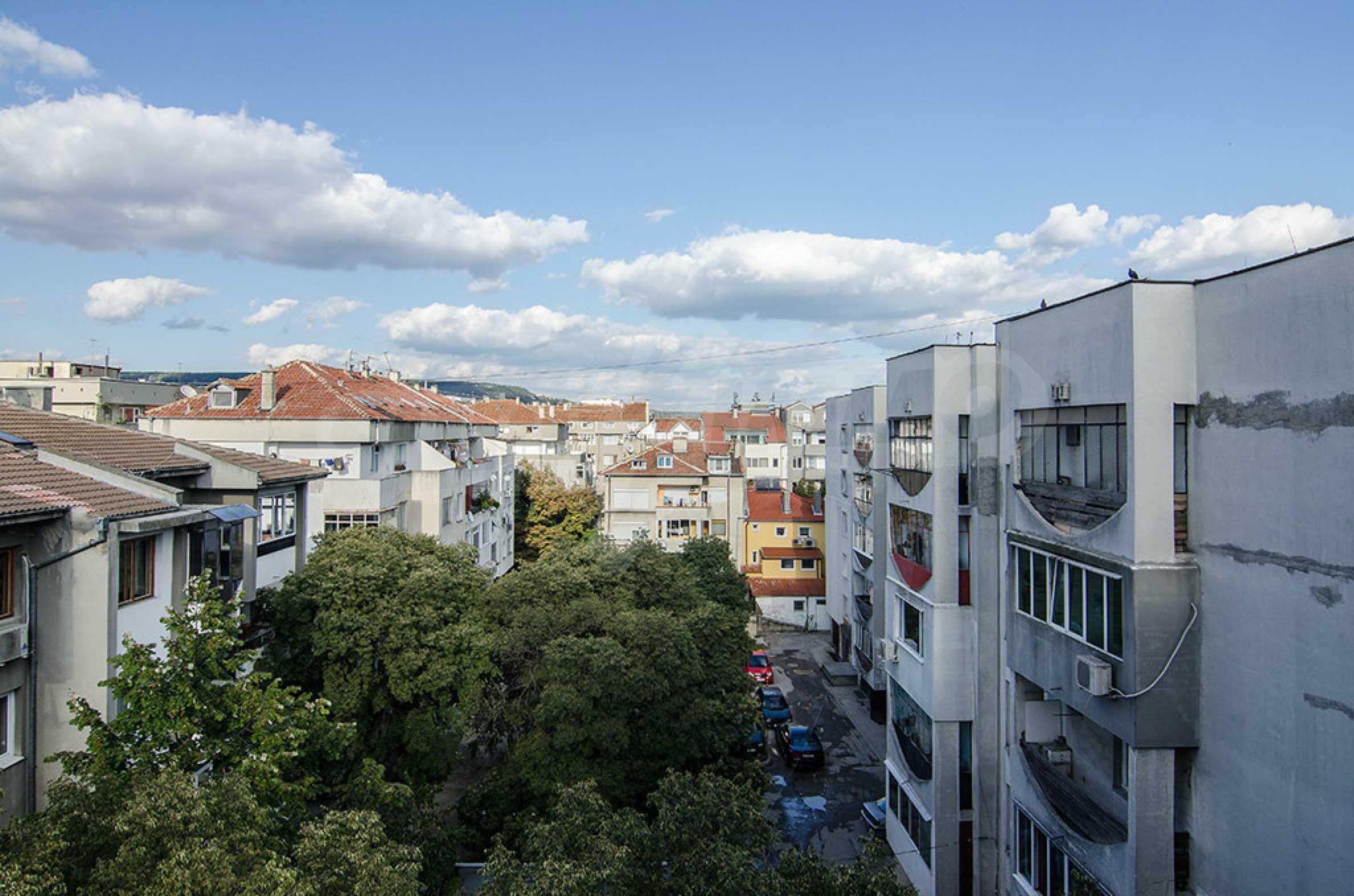 Отличен апартамент в топ център с гледка към Катедралата 10