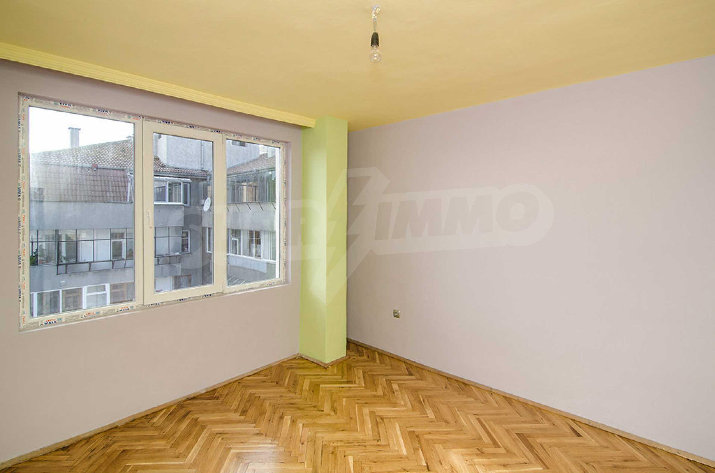 Отличен апартамент в топ център с гледка към Катедралата 4