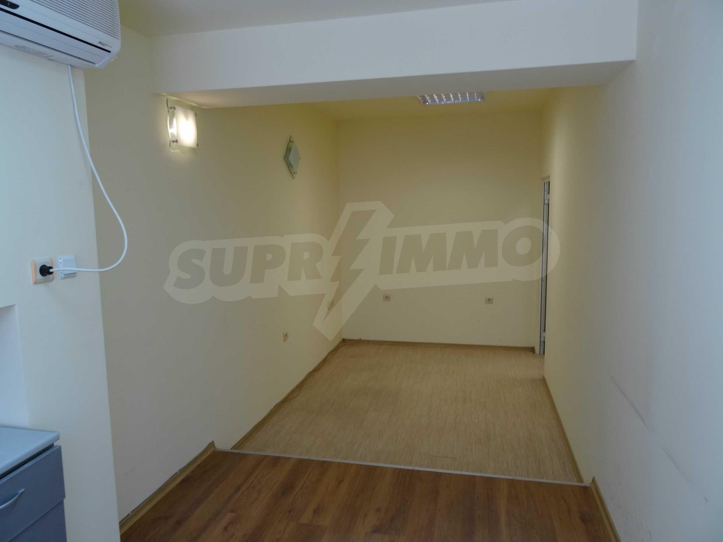 Апартамент/офис в идеален център на самата пешеходна улица Княз Борис I 7