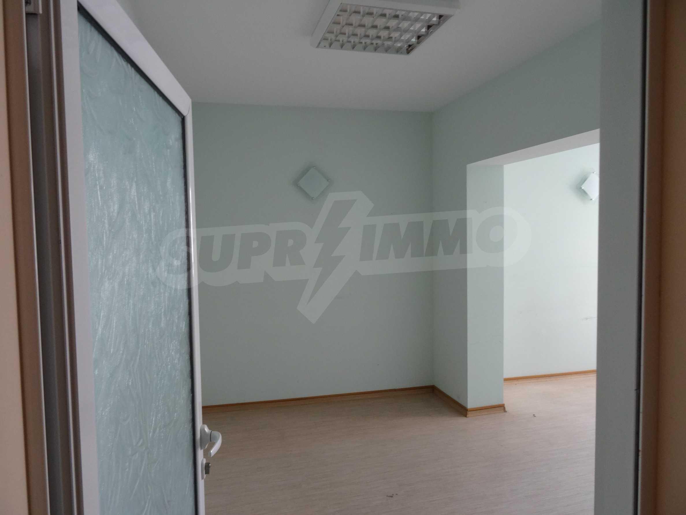 Апартамент/офис в идеален център на самата пешеходна улица Княз Борис I 8