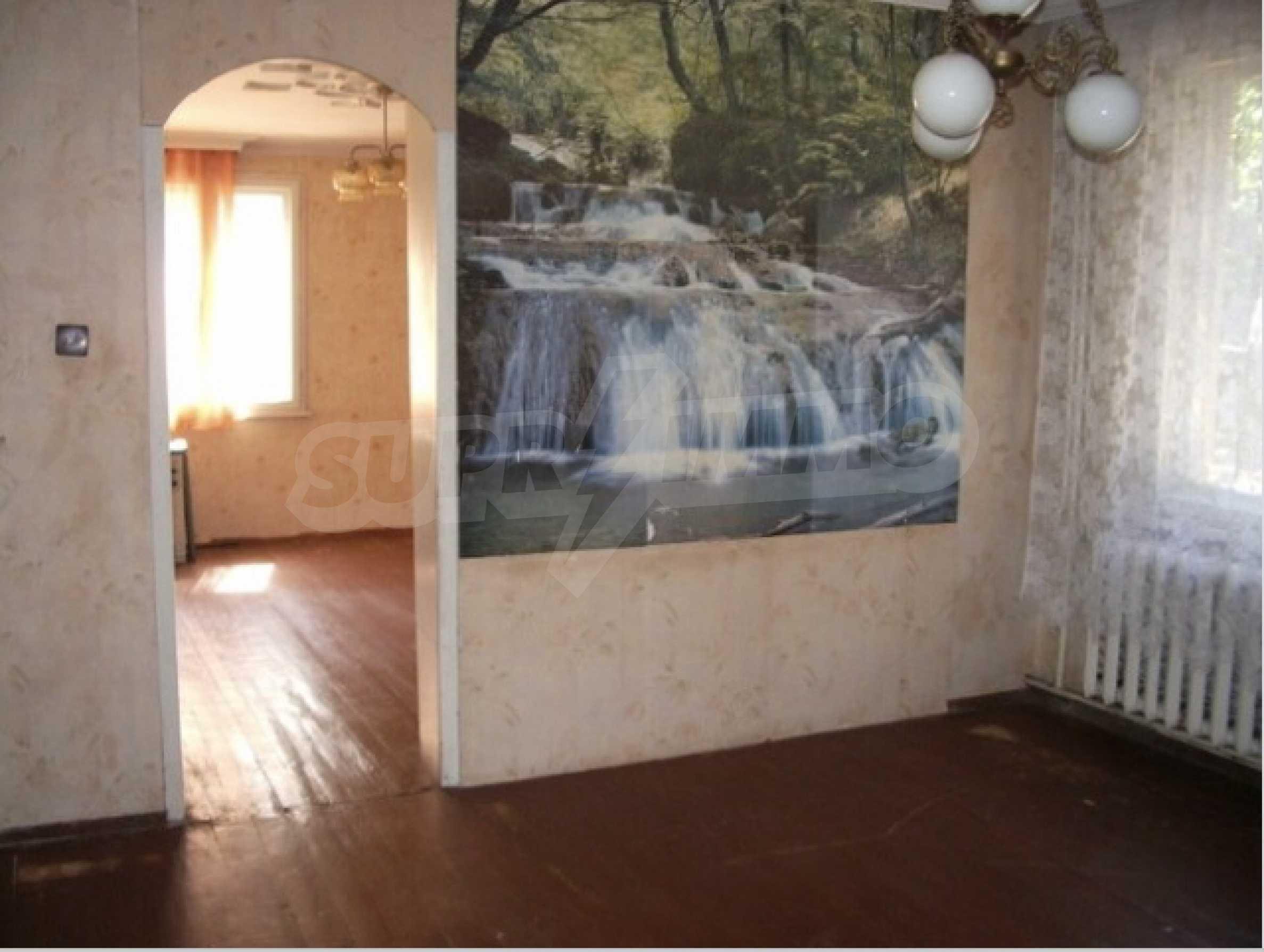 Етаж на двуетажна къща в удобен район на гр. Видин 4