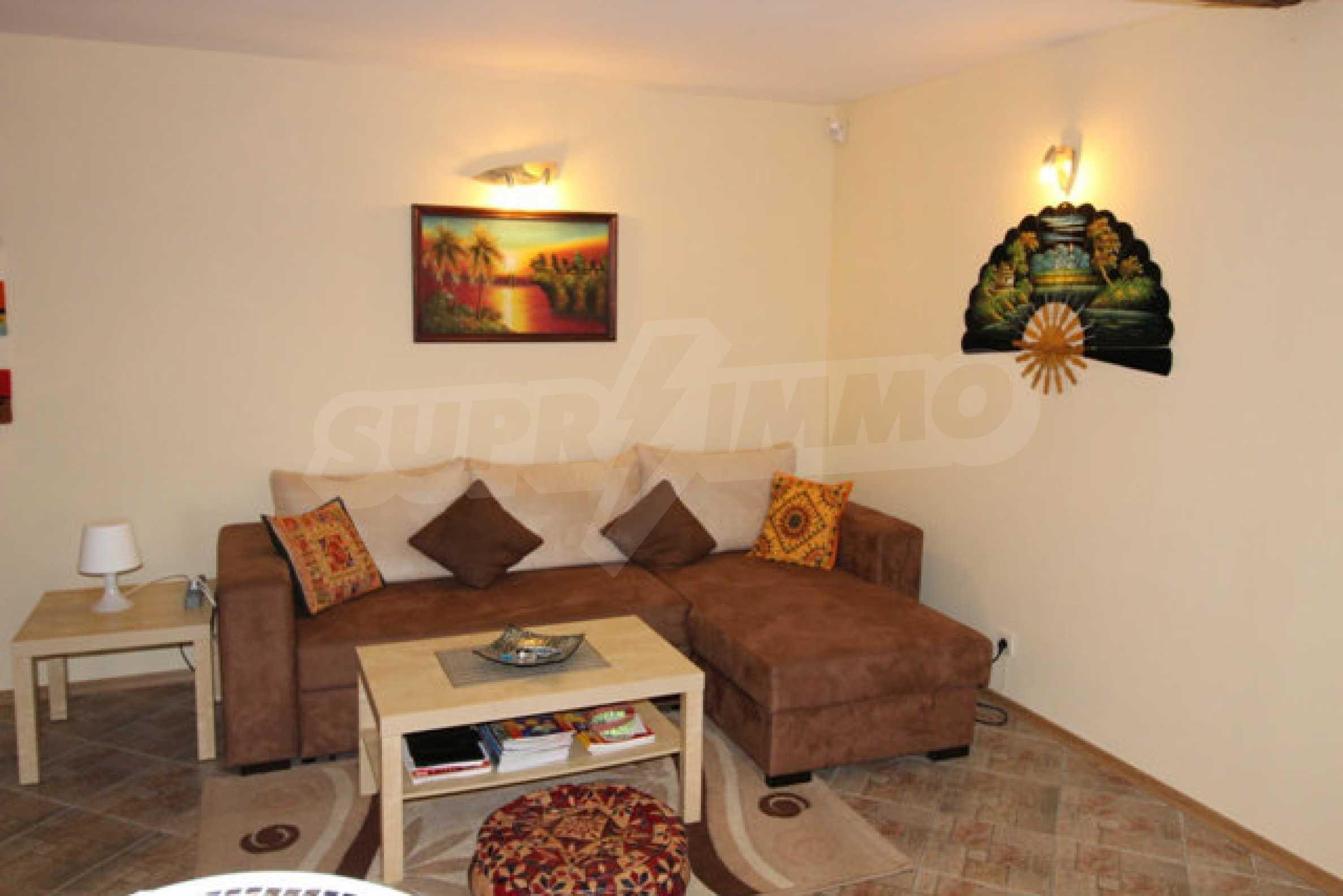 Реновирана двуетажна къща с двор само на 13 км от град Ловеч 32