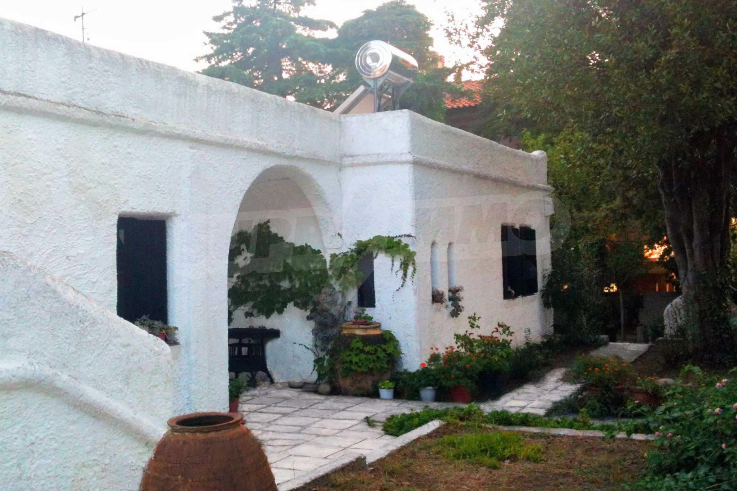 Къща  в  Каликратия 1