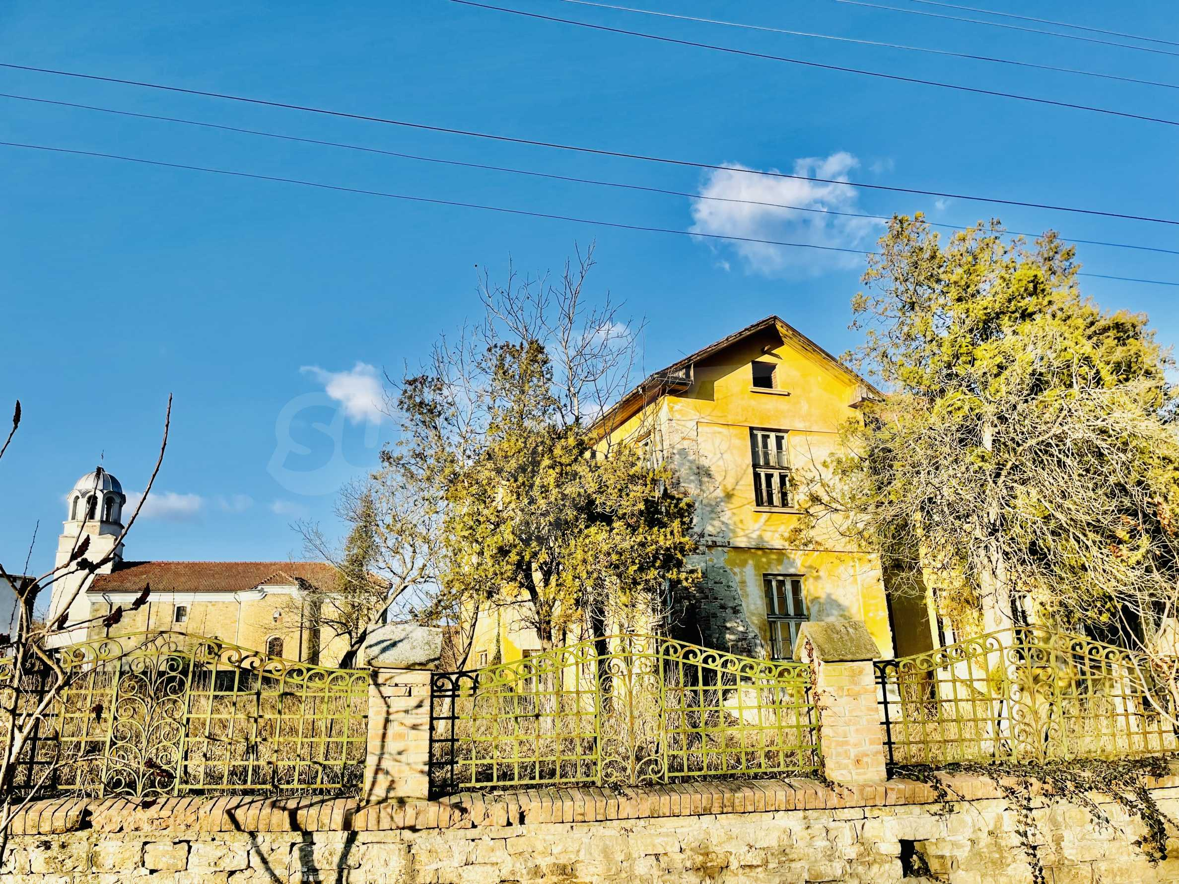 Масивна двуетажна  сграда на 27 км от Велико Търново 1