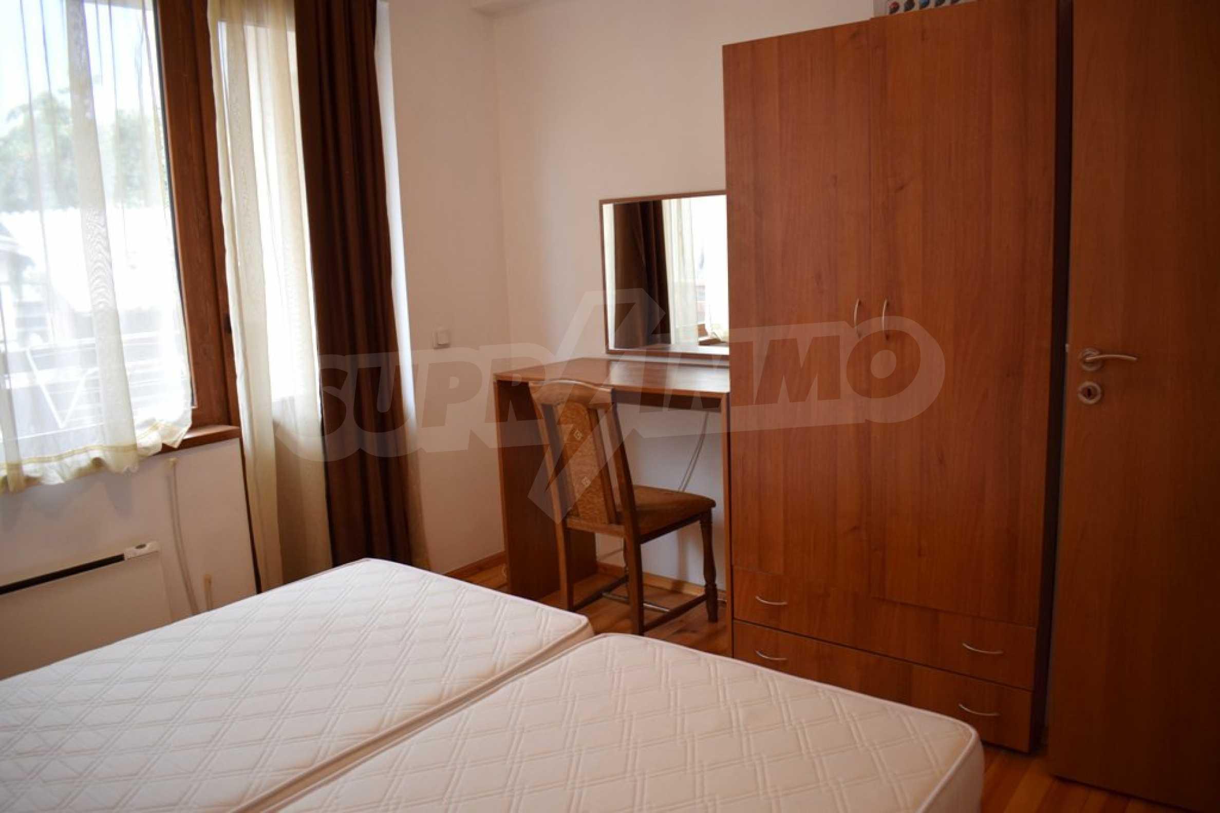 Напълно обзаведен апартамент в Банско 3