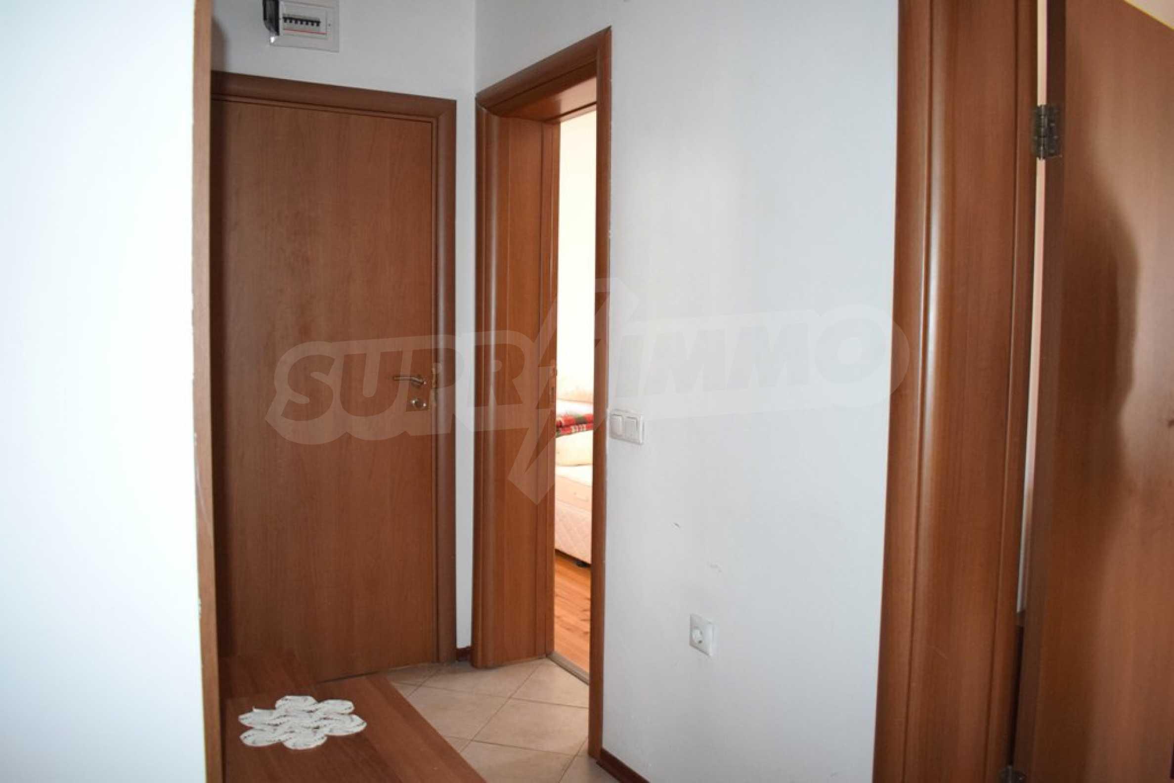 Напълно обзаведен апартамент в Банско 6