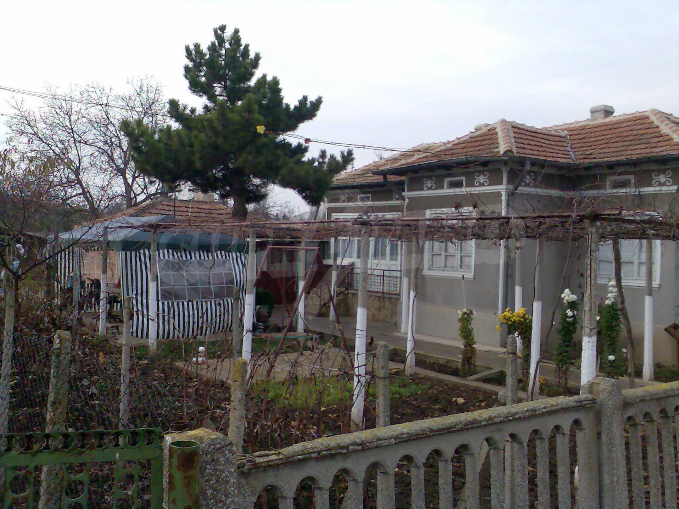 Две къщи близо до гр. Добрич