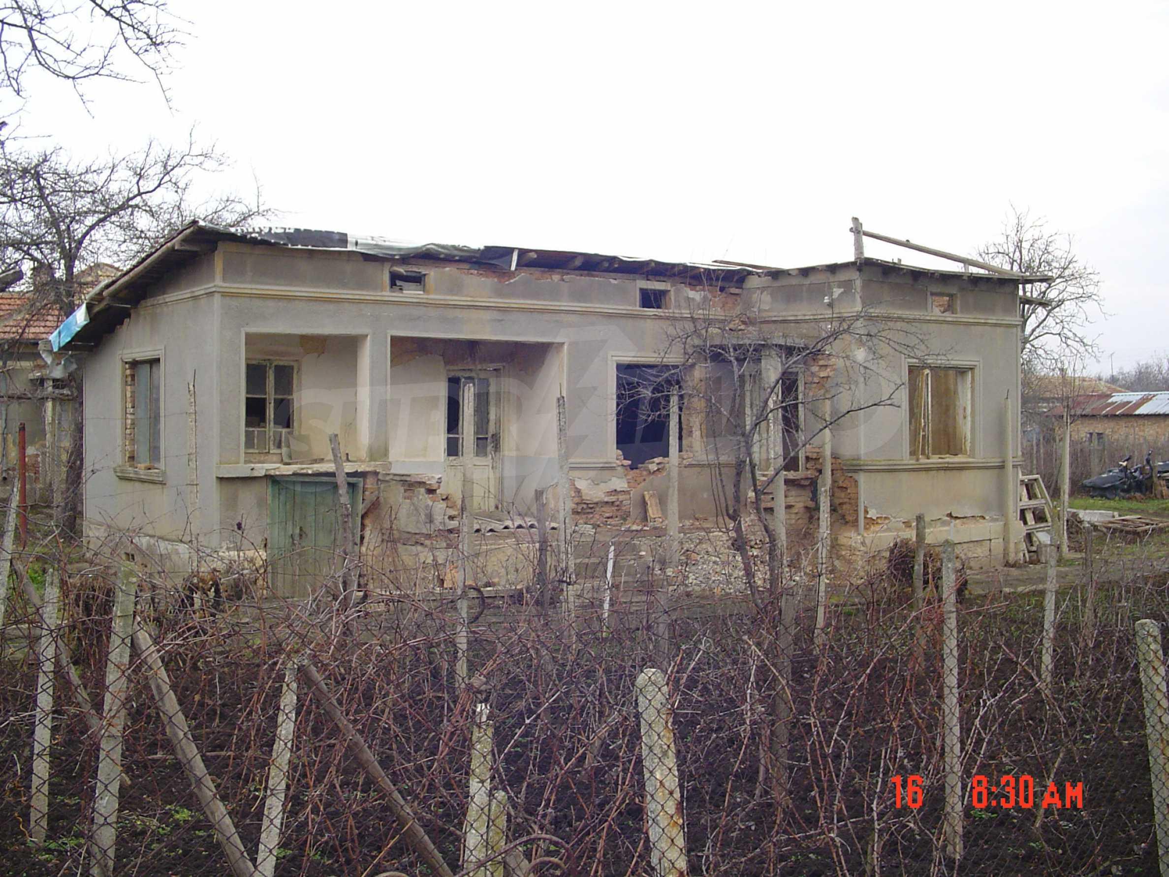 Две къщи близо до гр. Добрич 20