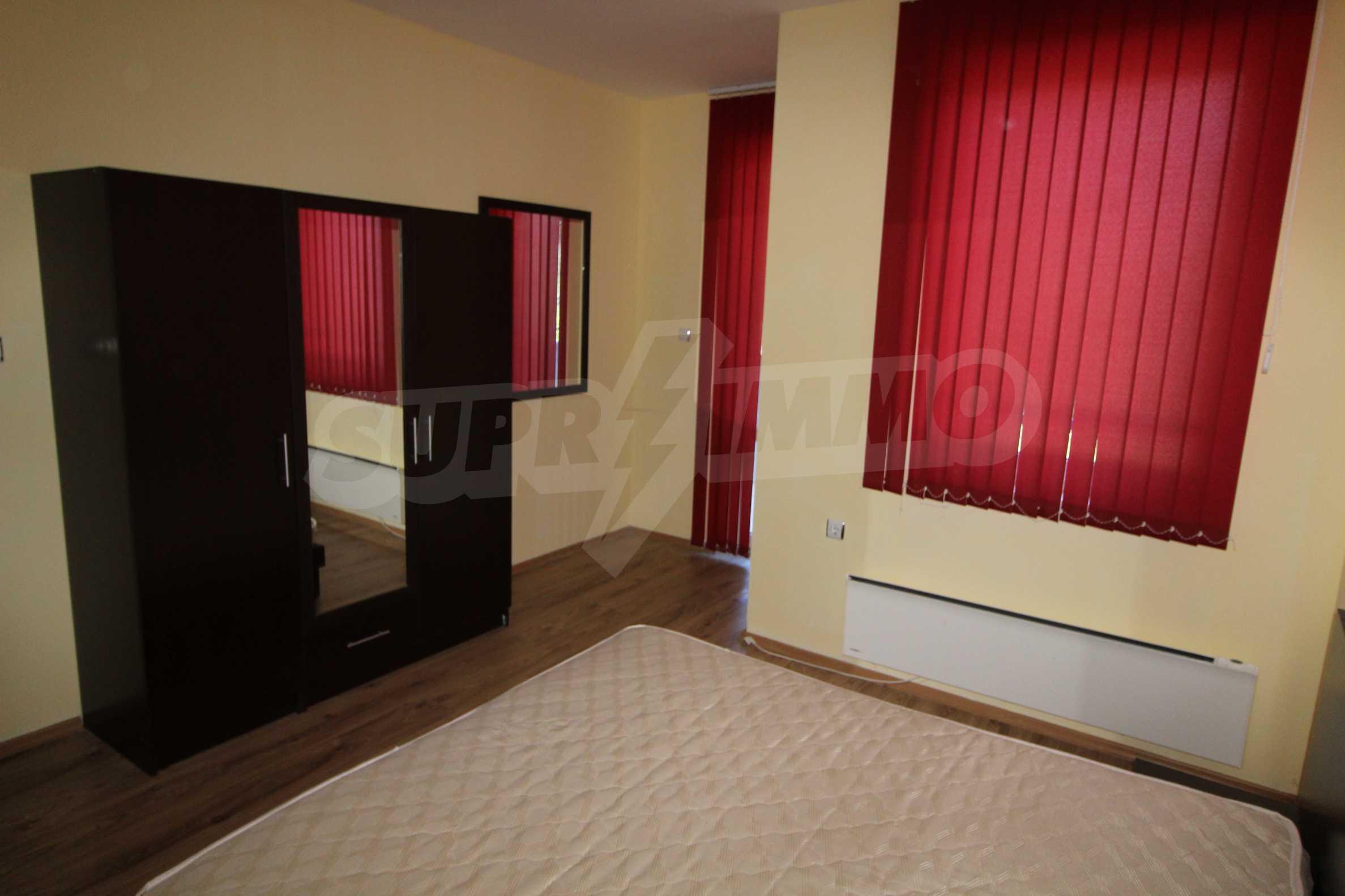 Удобен апартамент в комплекс от затворен тип, гр. Банско 1
