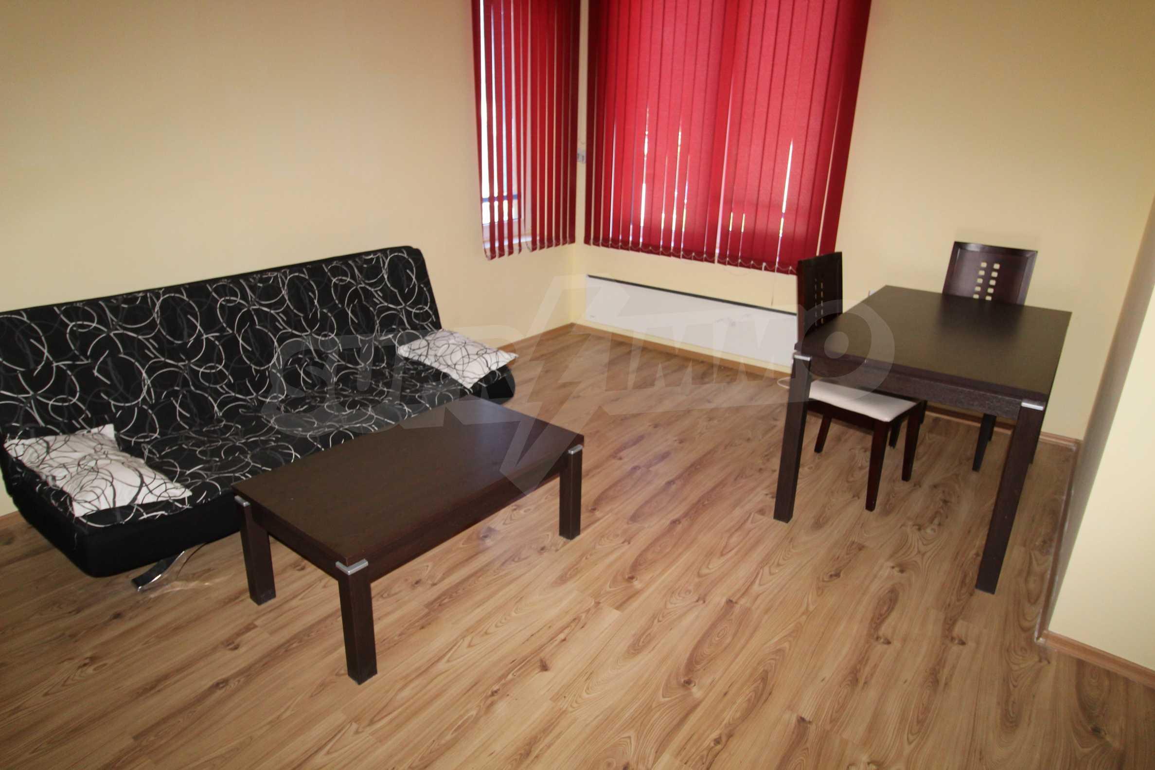 Удобен апартамент в комплекс от затворен тип, гр. Банско 2