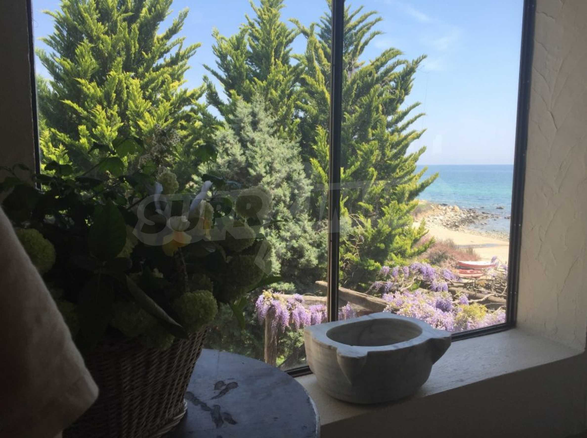 Вила с панорамна гледка към морето 38
