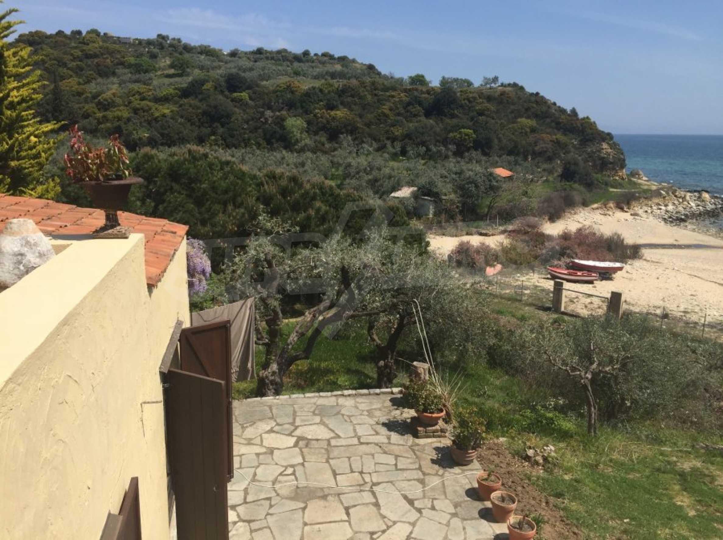 Вила с панорамна гледка към морето 40