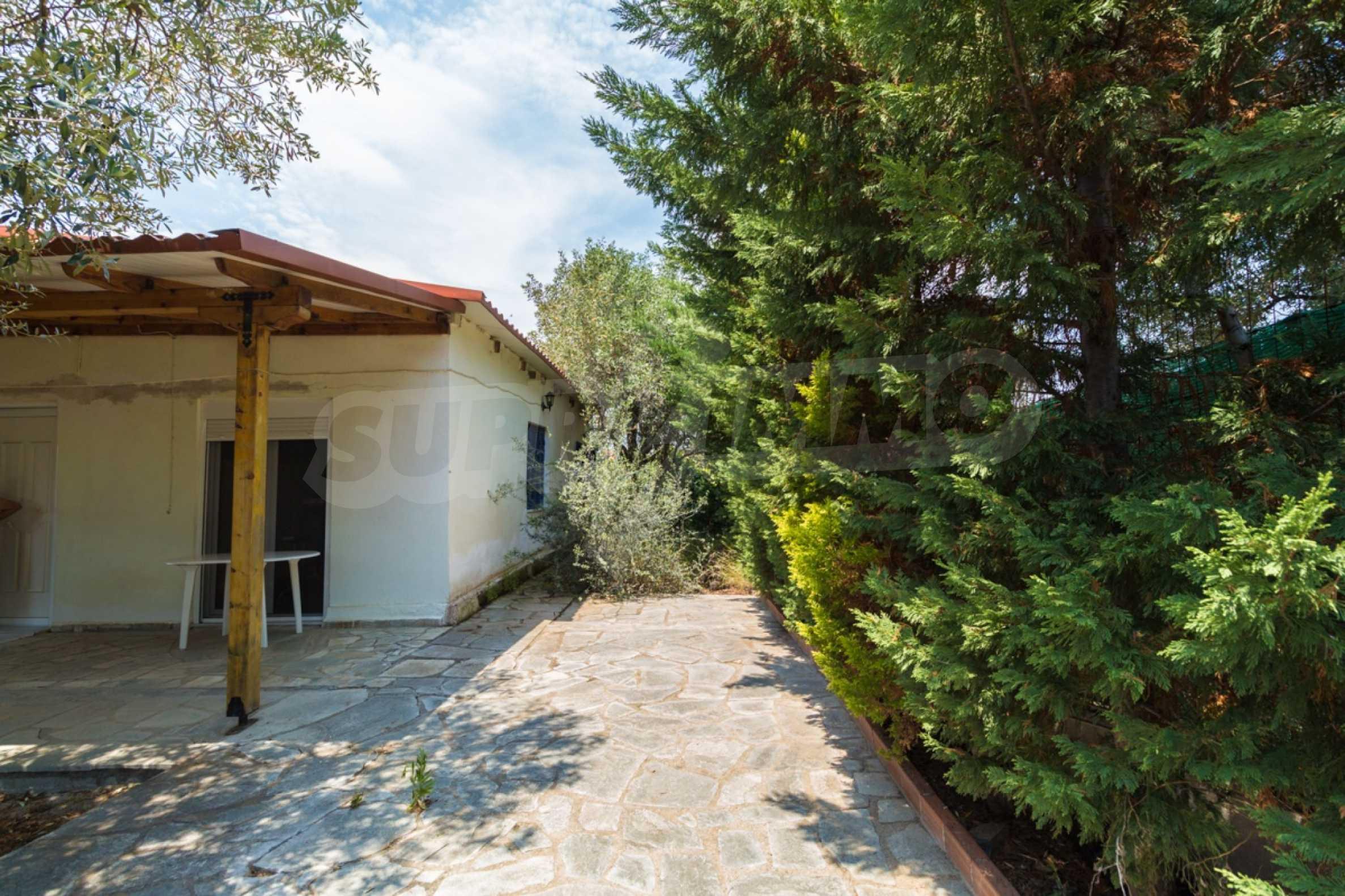 Къща  в  Херакини 21