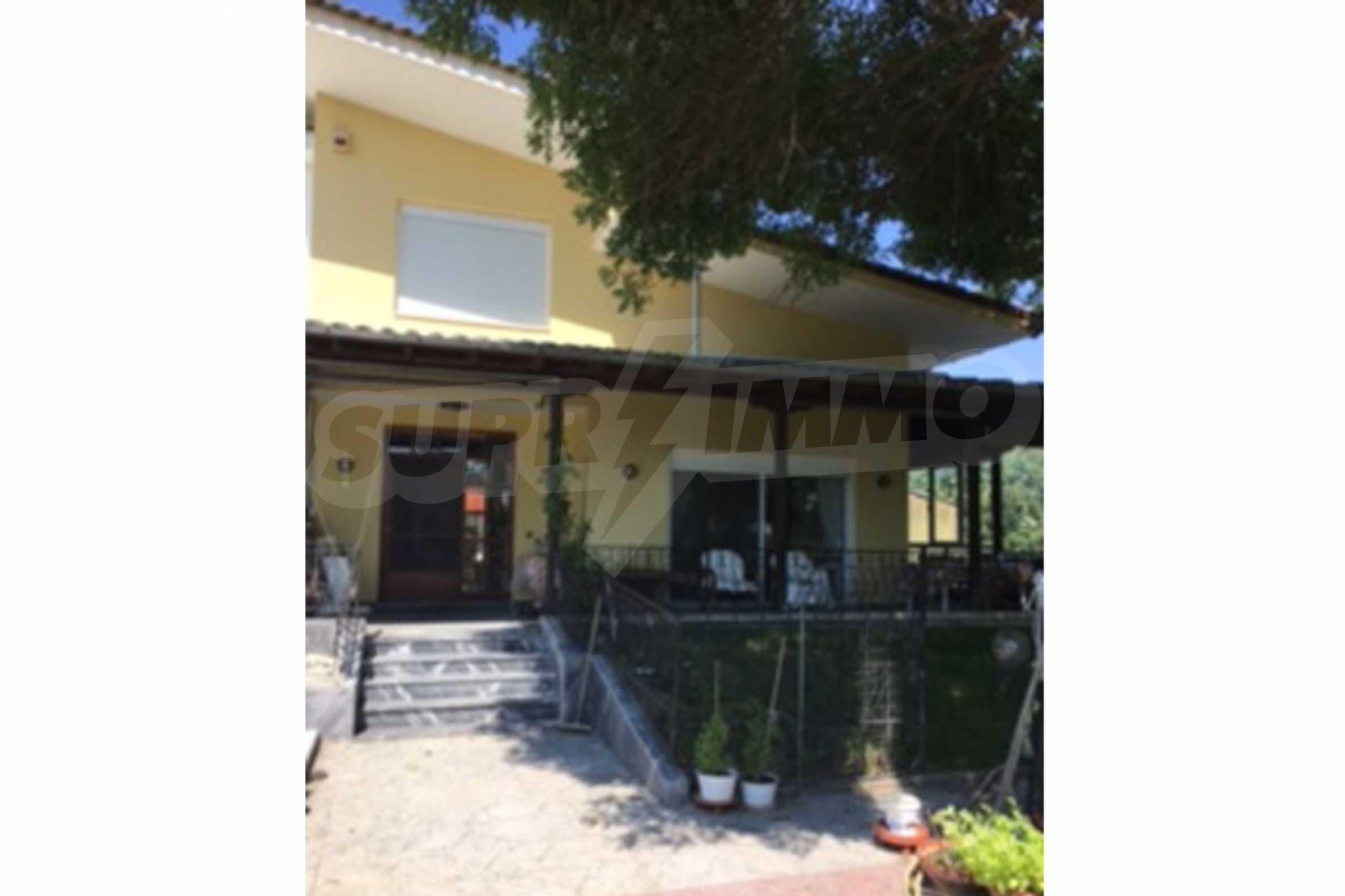 Къща  в  Паралия Катеринис 9