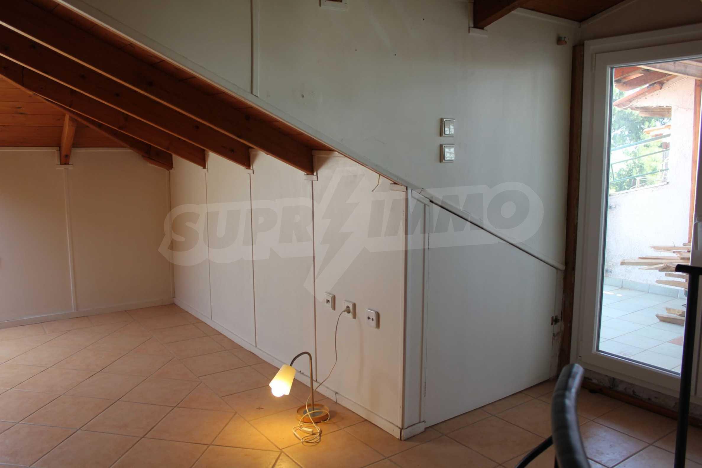 Къща  в  Perea 11