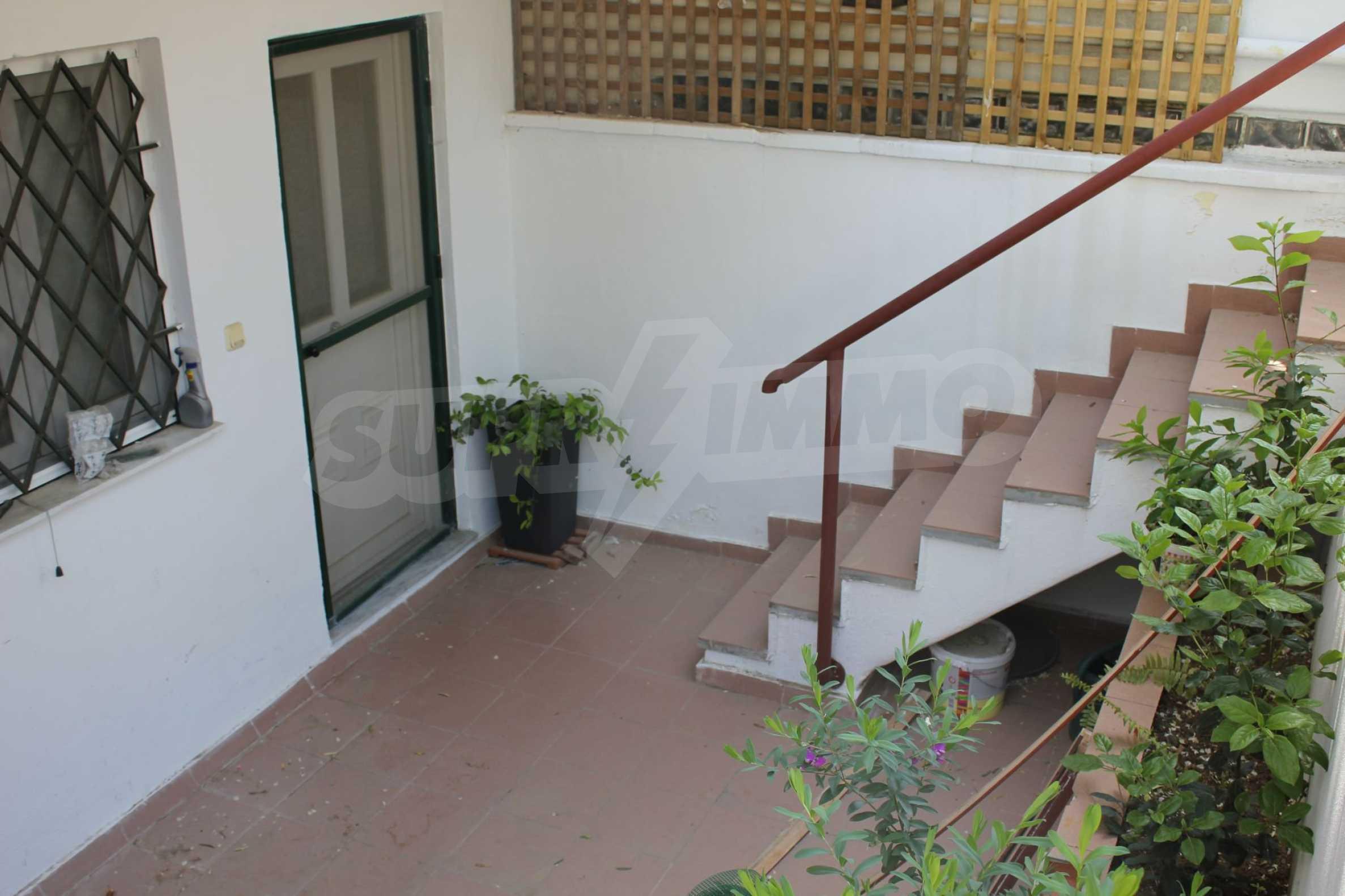 Къща  в  Perea 15