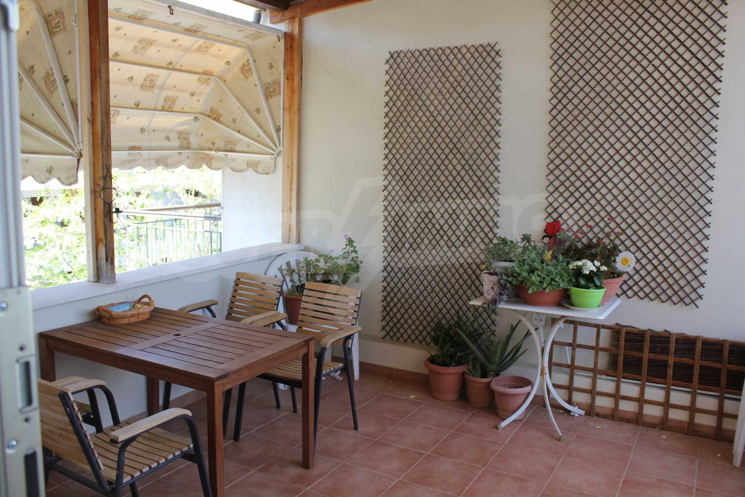 Къща  в  Perea 8