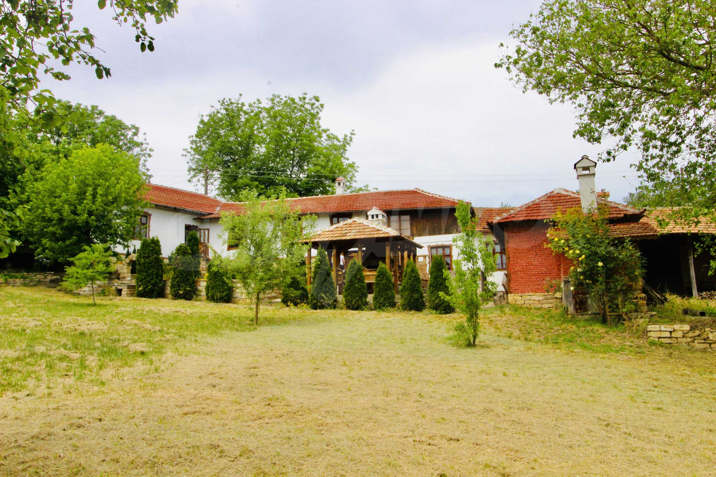 Реновирана къща в село на 45  км от Велико Търново