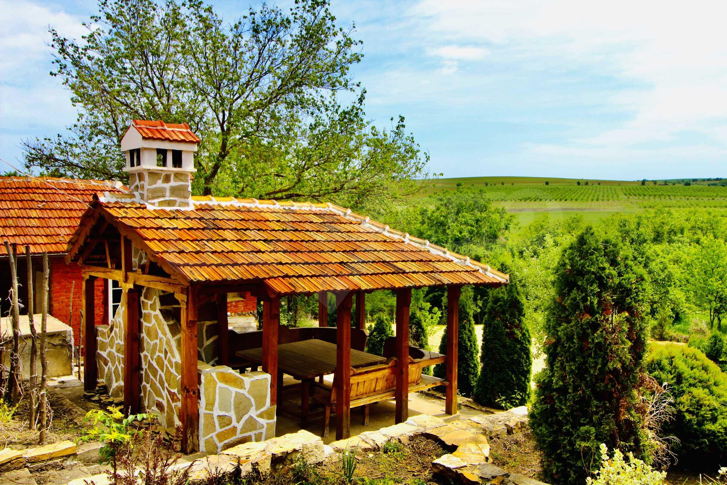Реновирана къща в село на 45  км от Велико Търново 9