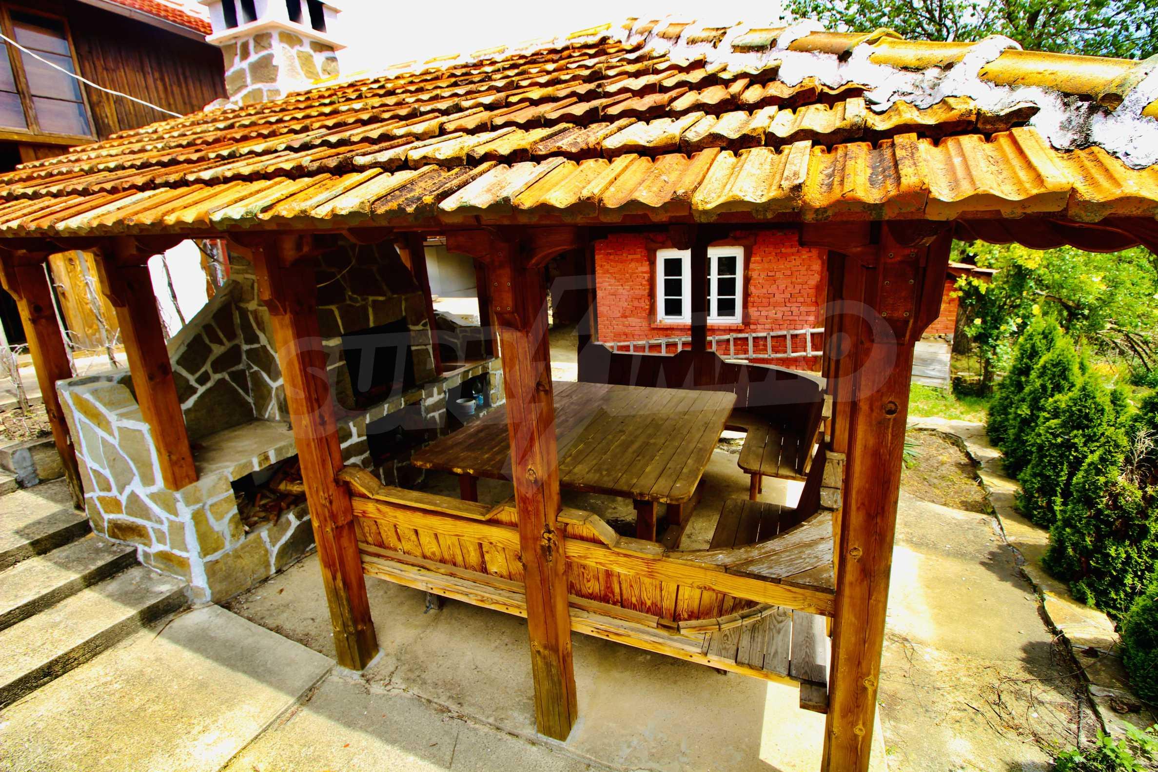 Реновирана къща в село на 45  км от Велико Търново 11