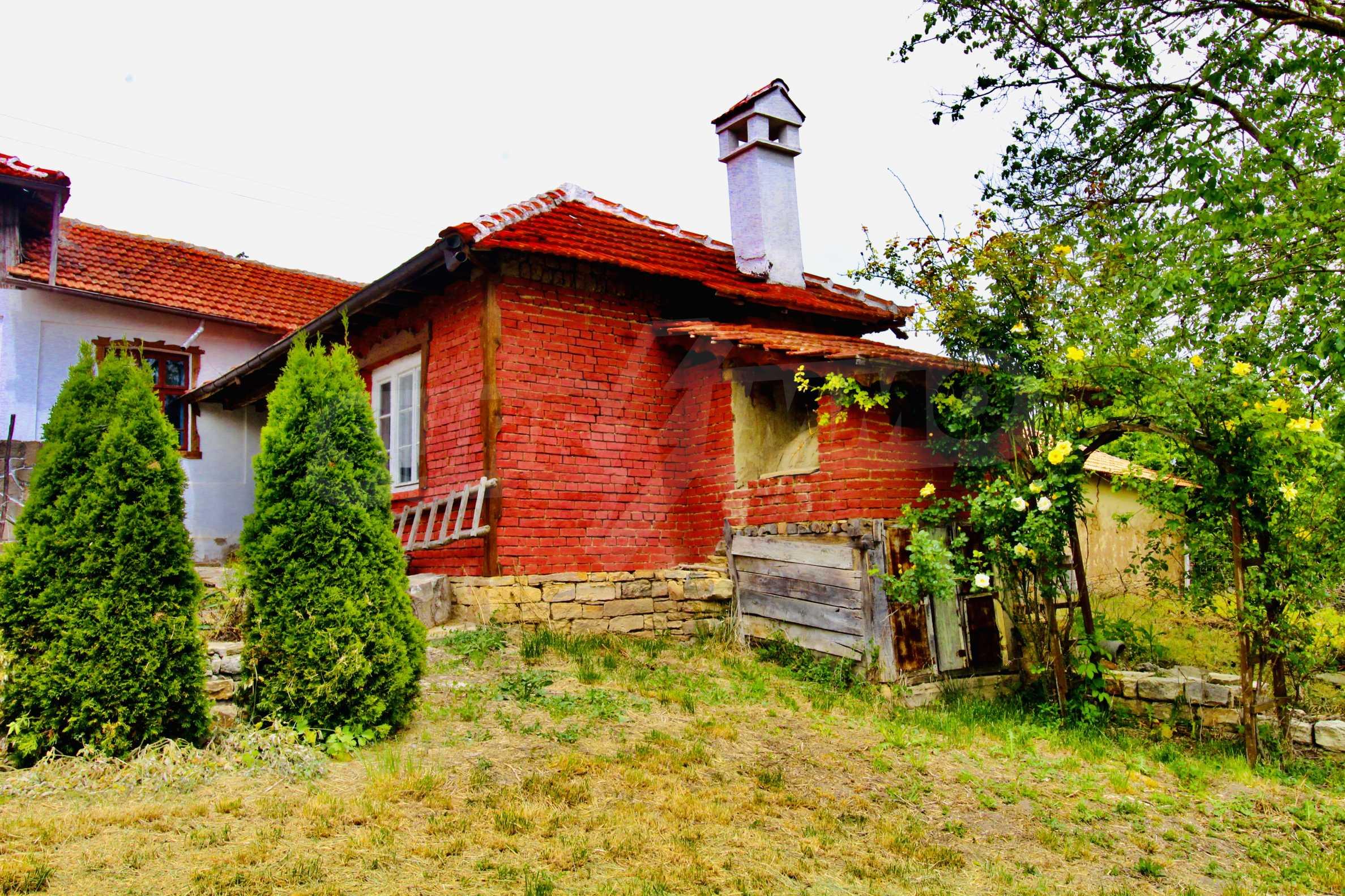 Реновирана къща в село на 45  км от Велико Търново 12