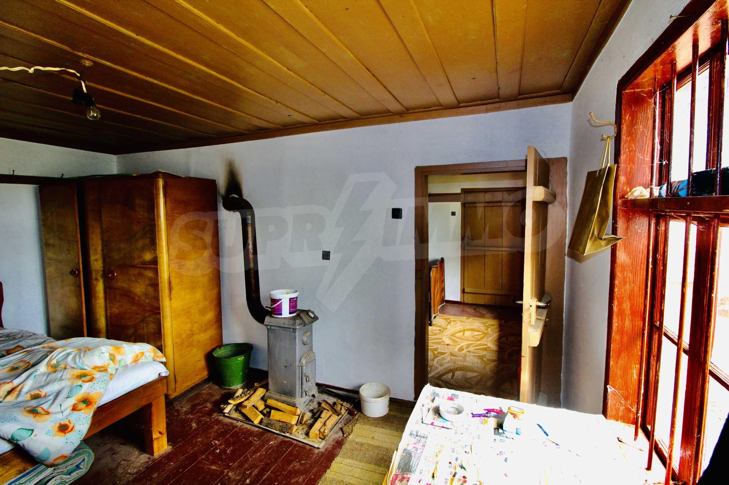 Реновирана къща в село на 45  км от Велико Търново 15