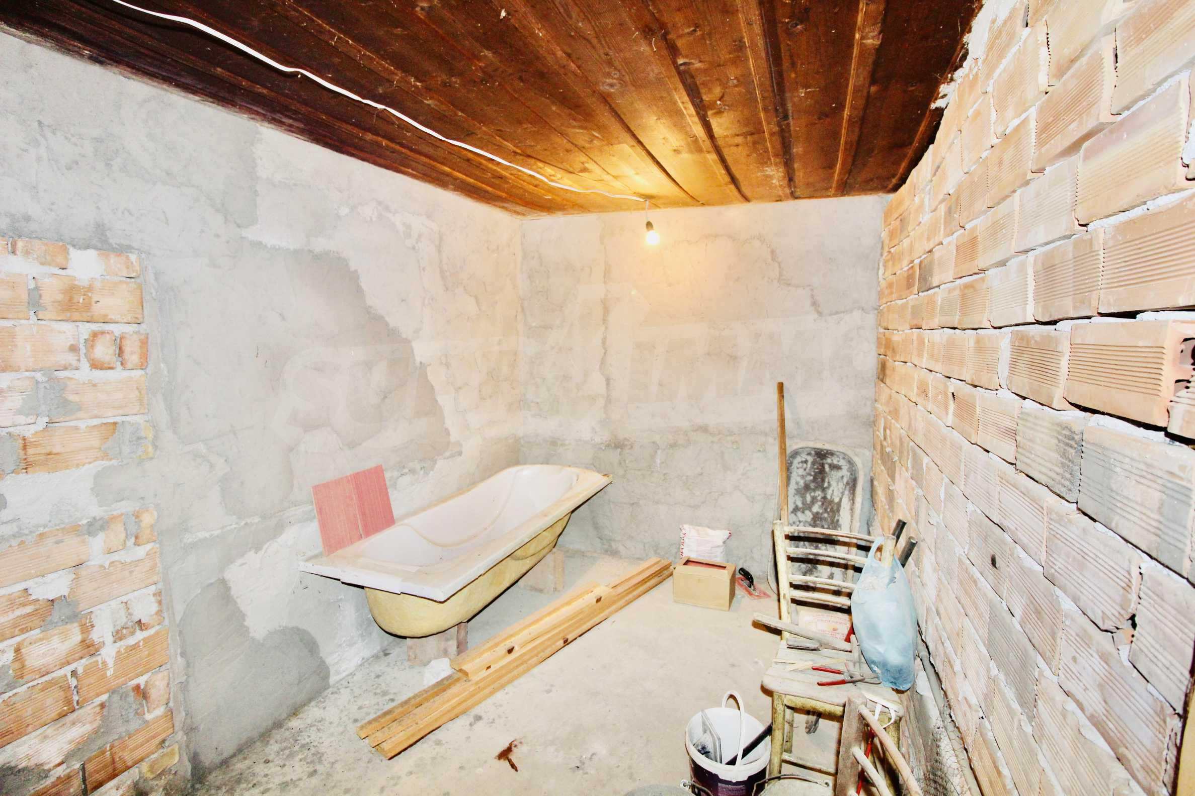 Реновирана къща в село на 45  км от Велико Търново 18