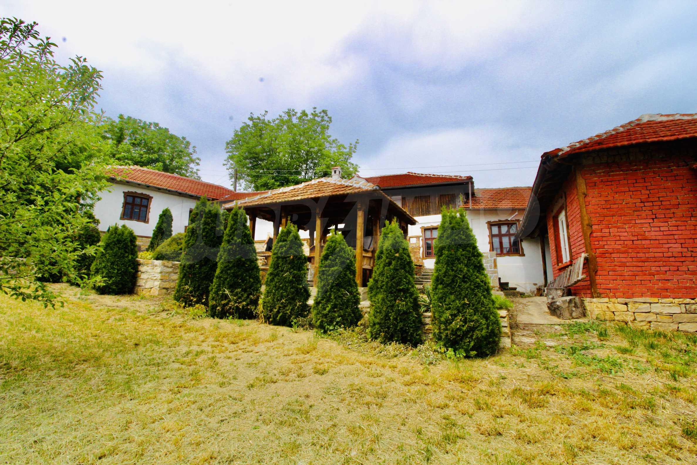 Реновирана къща в село на 45  км от Велико Търново 1