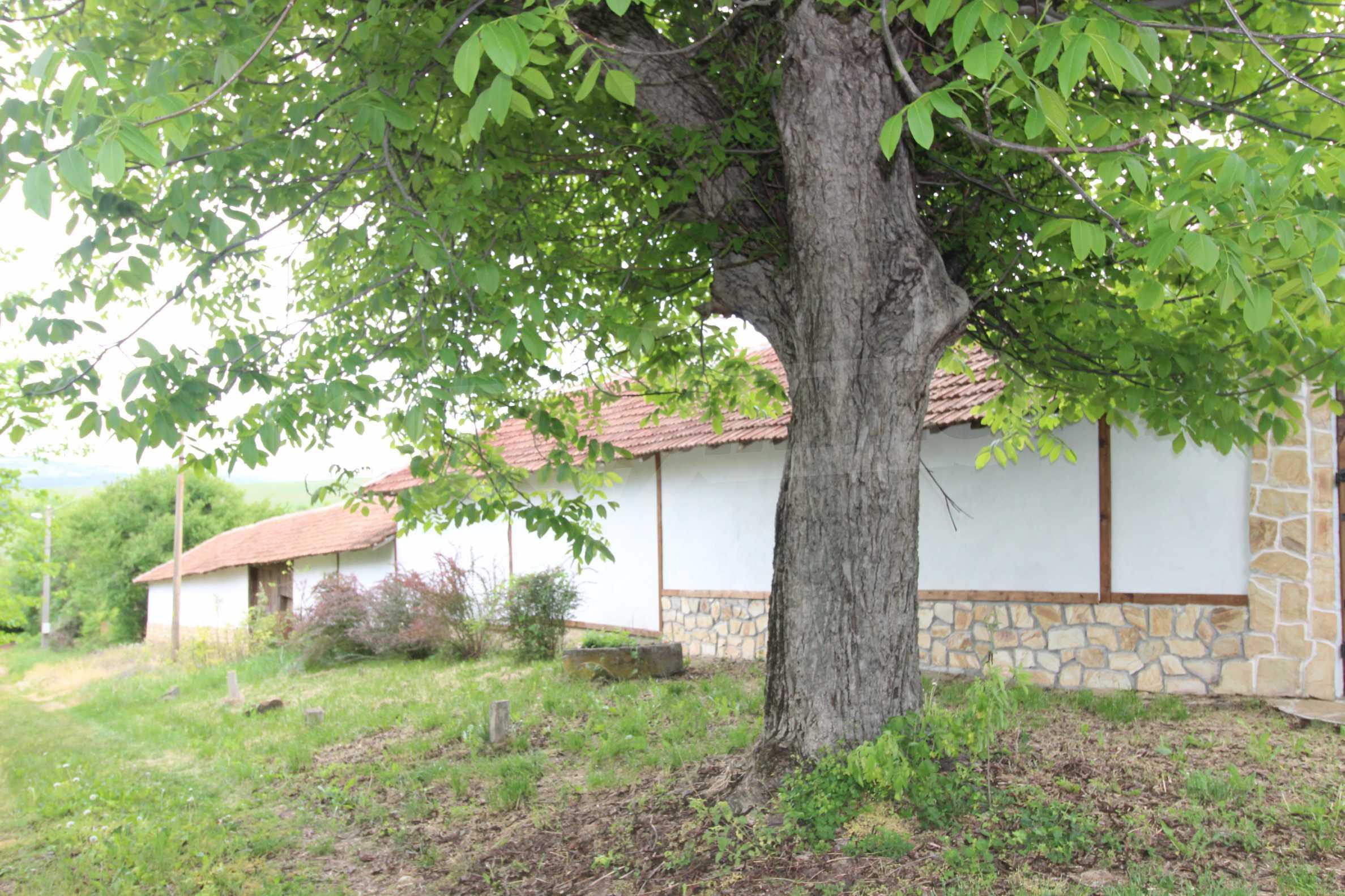 Реновирана къща в село на 45  км от Велико Търново 19