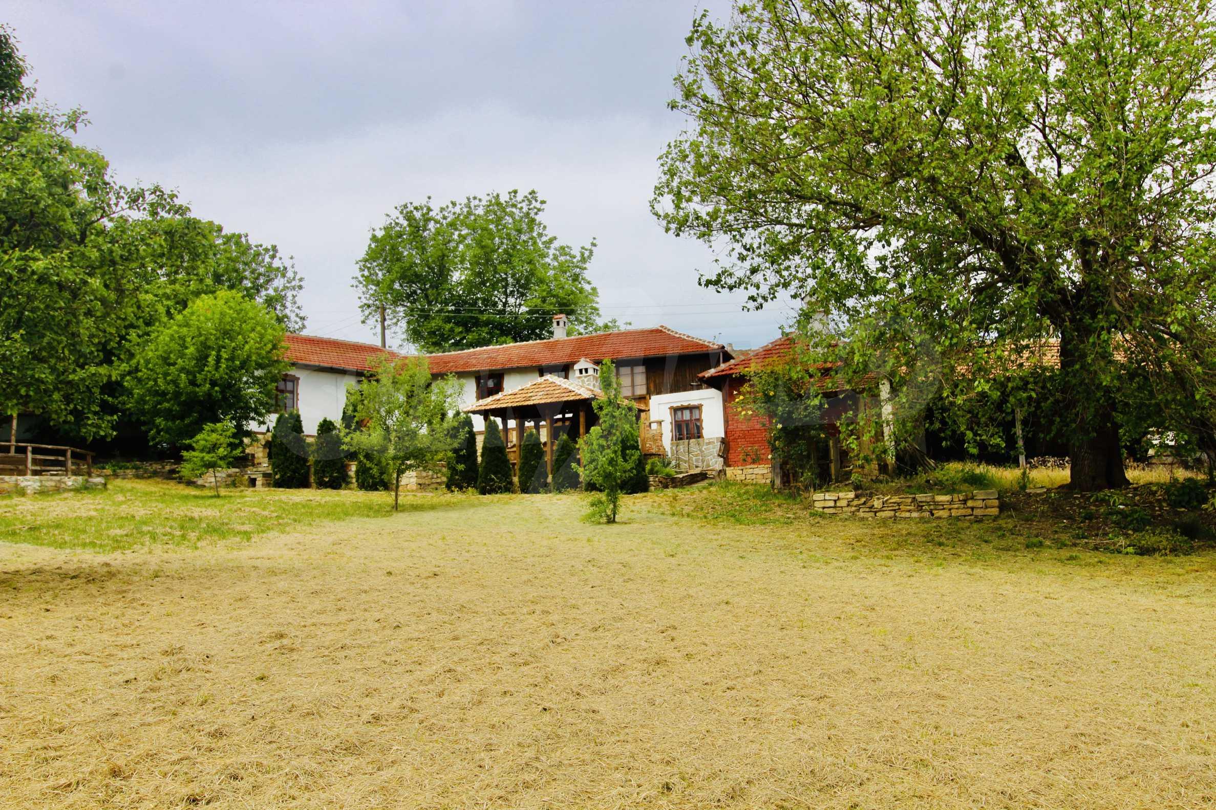 Реновирана къща в село на 45  км от Велико Търново 21