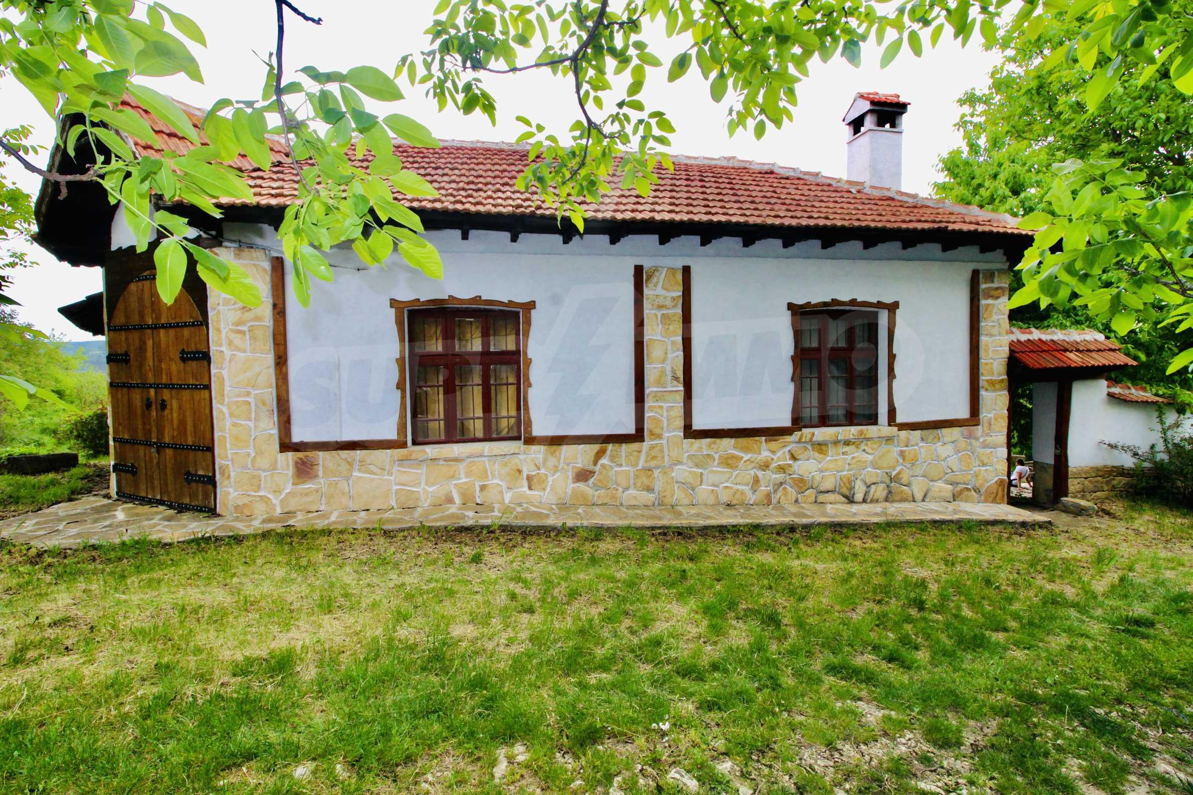 Реновирана къща в село на 45  км от Велико Търново 22