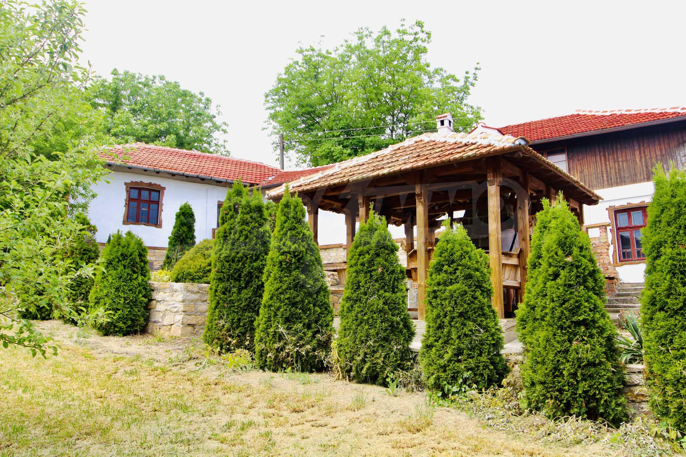 Реновирана къща в село на 45  км от Велико Търново 2