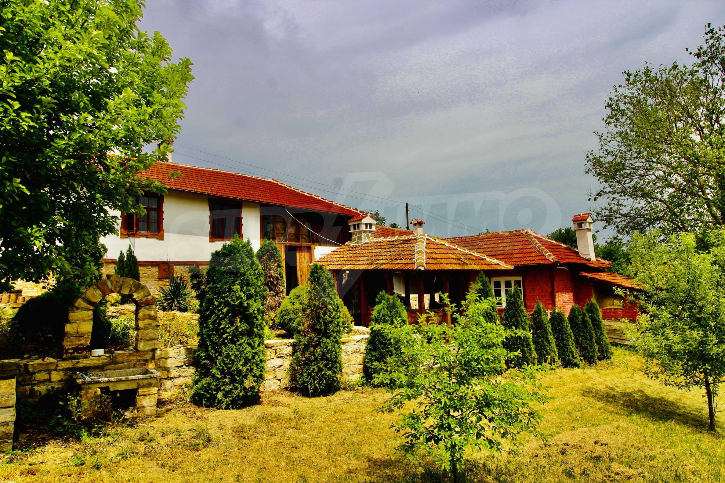 Реновирана къща в село на 45  км от Велико Търново 7