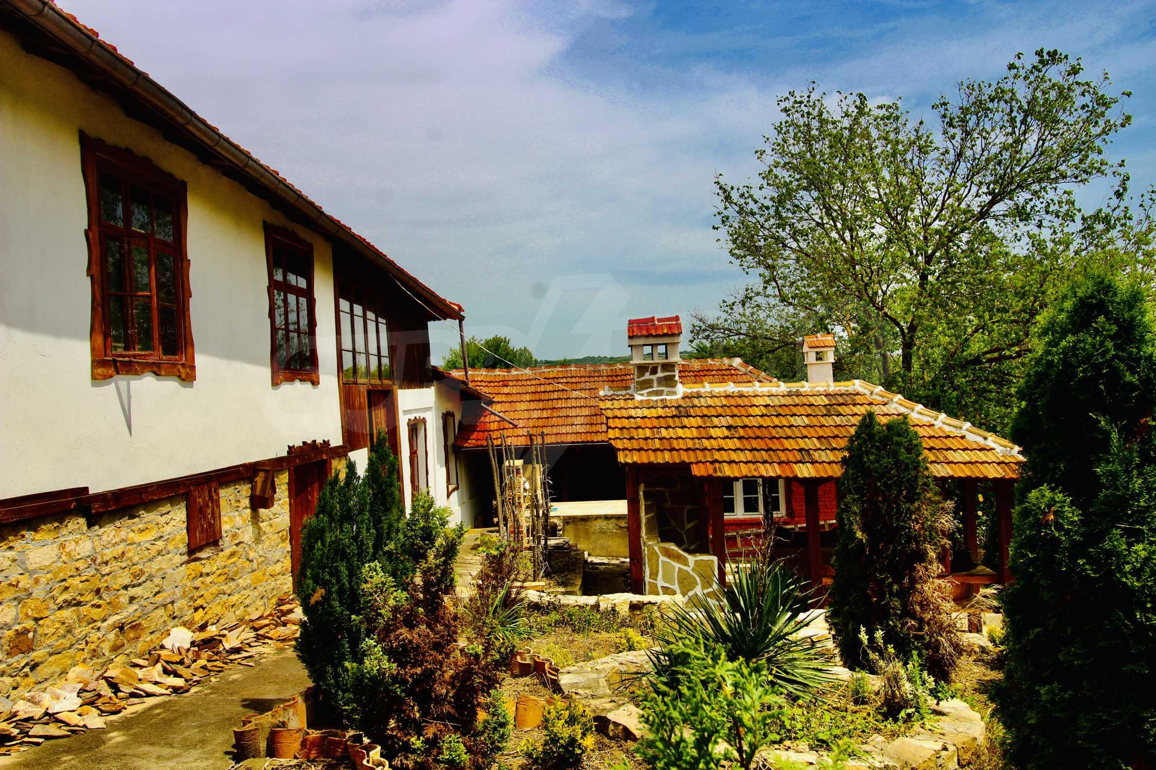 Реновирана къща в село на 45  км от Велико Търново 8
