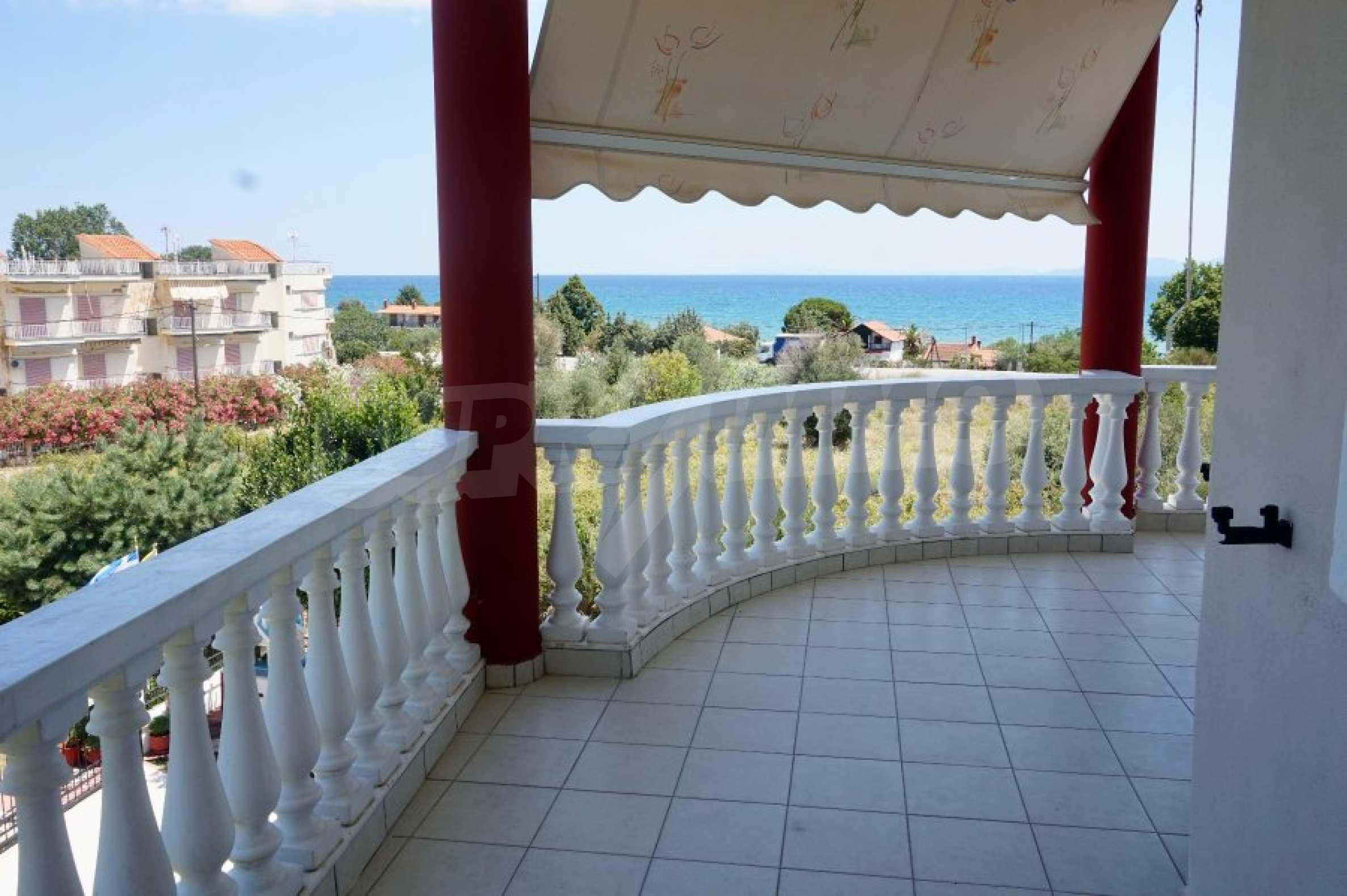 Къща с пет спални и панорамна гледка към морето 19